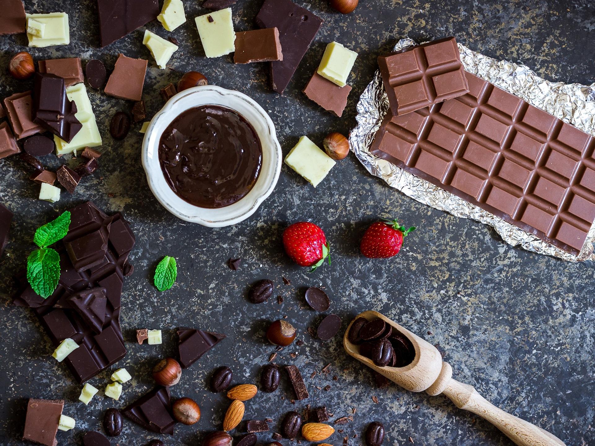 Fondos De Pantalla De Chocolates: Chocolate, Dulces, Almendras, Fresa Fondos De Pantalla