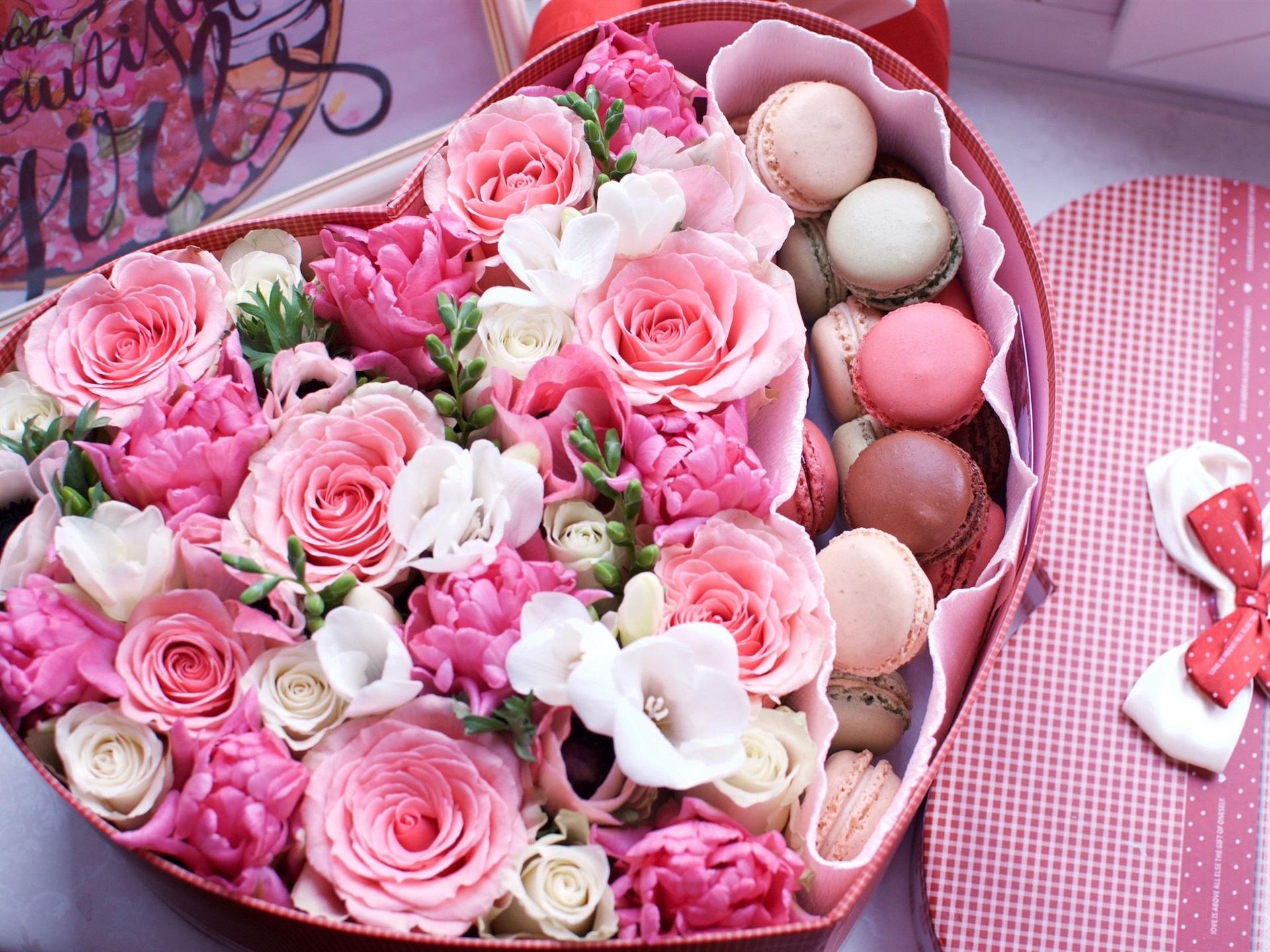 壁紙 愛のハート形の箱 マカロン ピンクのバラ 1920x1440 Hd 無料の