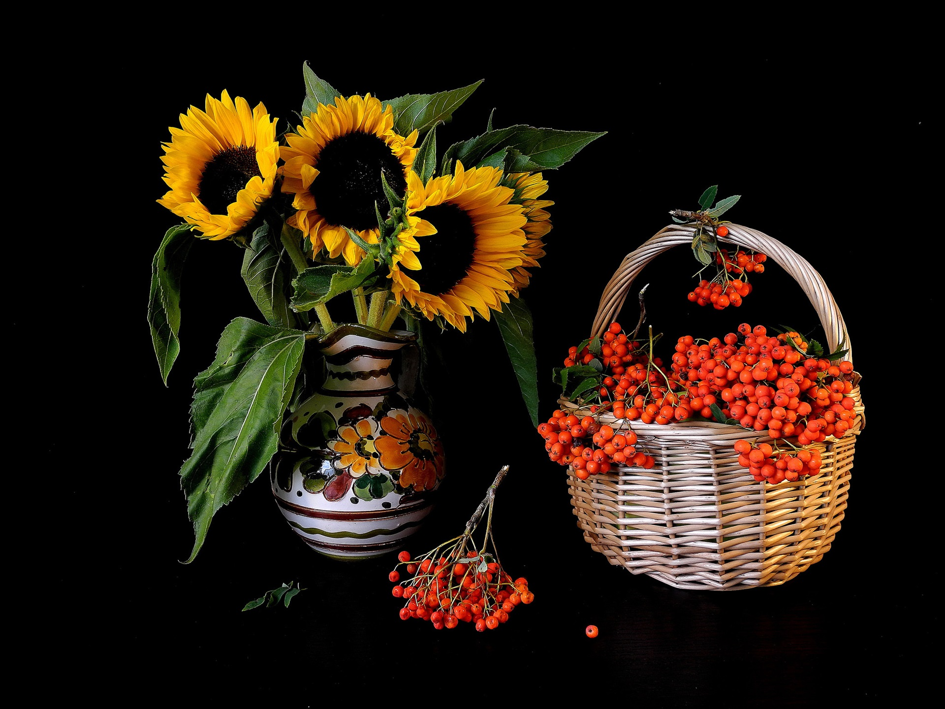 Wallpaper Sunflowers, red berries 1920x1440 HD Picture, Image