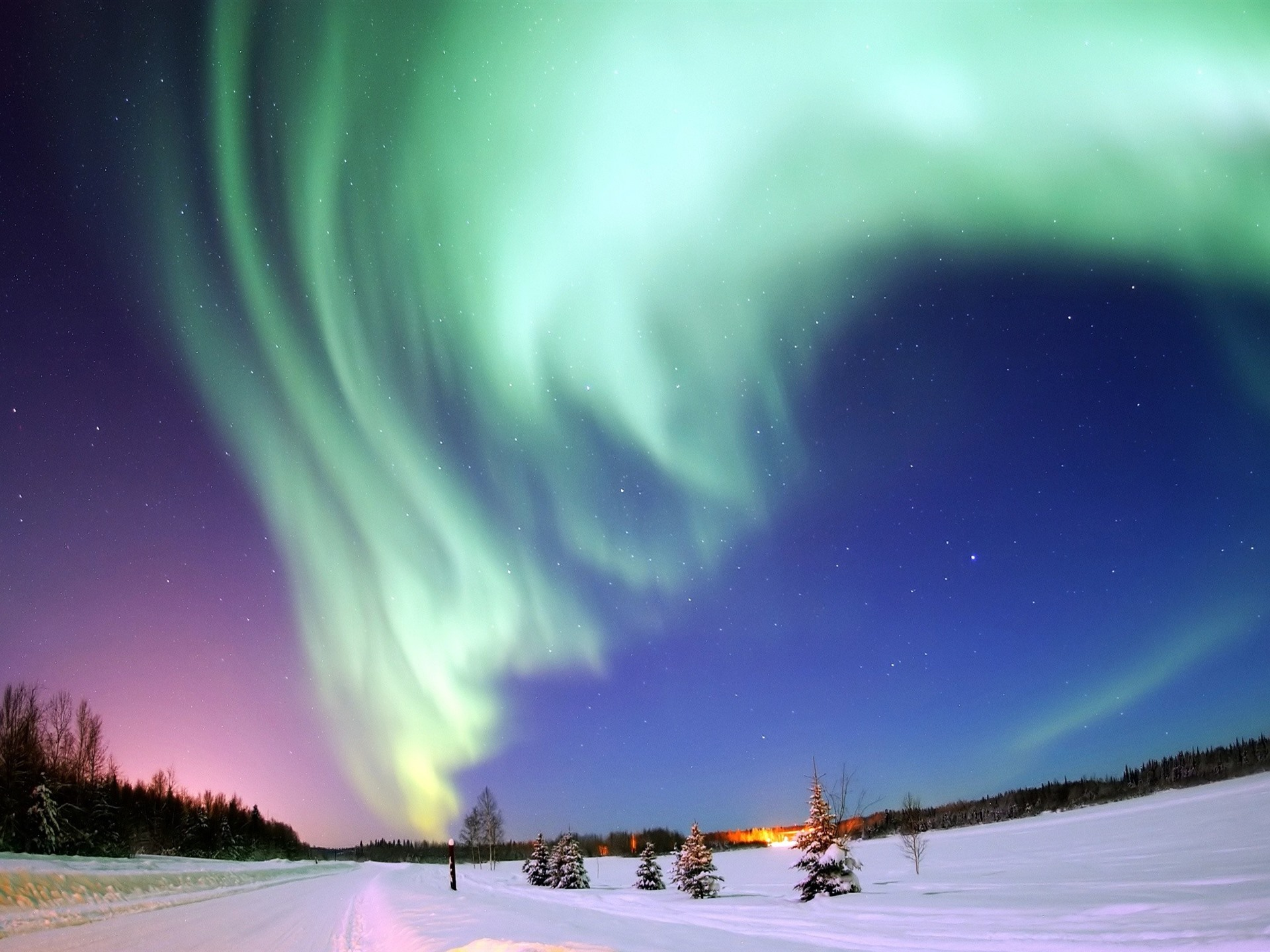 壁紙 美しいオーロラ 雪 星 夜 2560x1600 Hd 無料のデスクトップの背景 画像