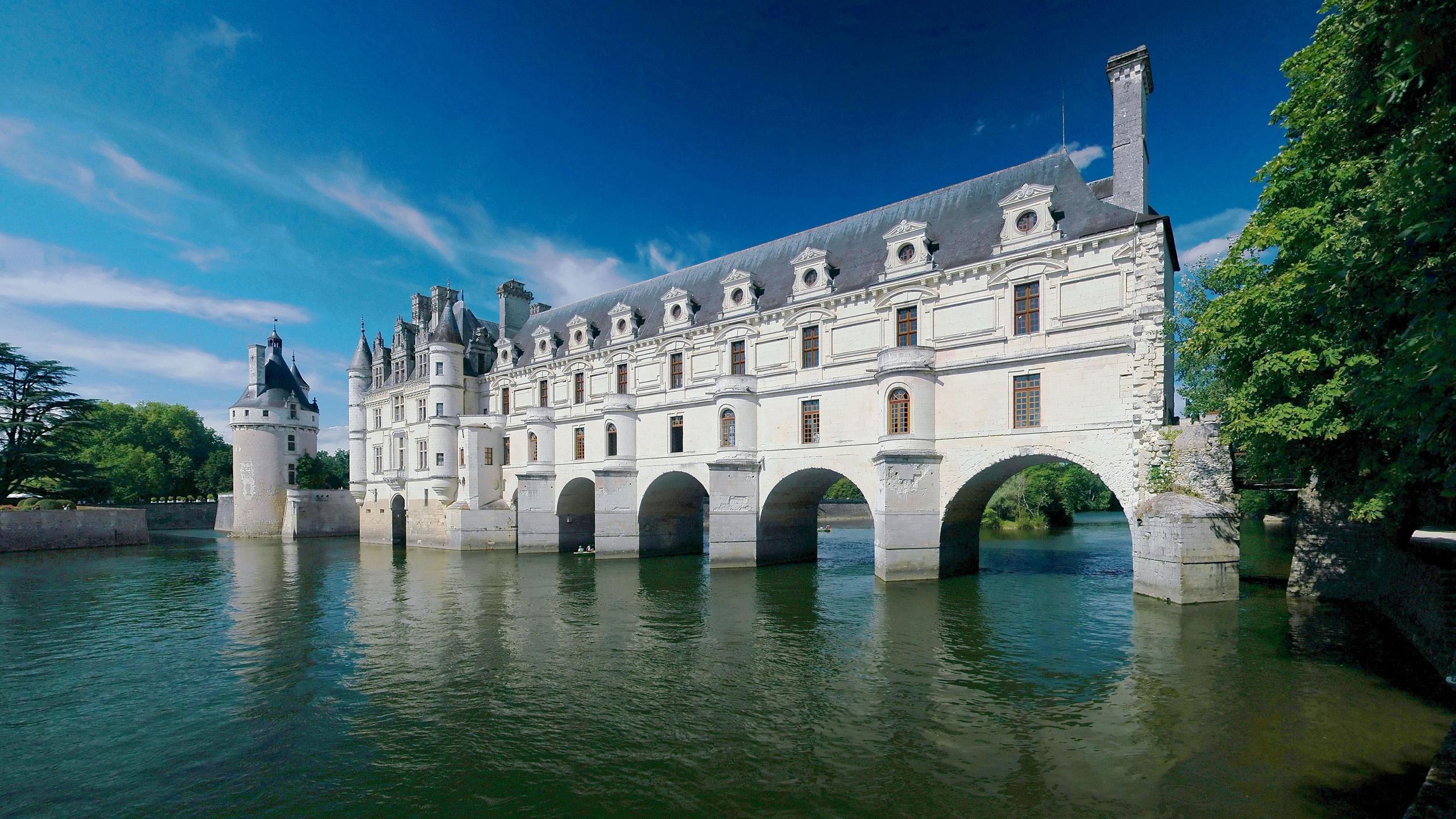 Château de chenonceau l'été la rivière fonds d'écran - 2560x1440
