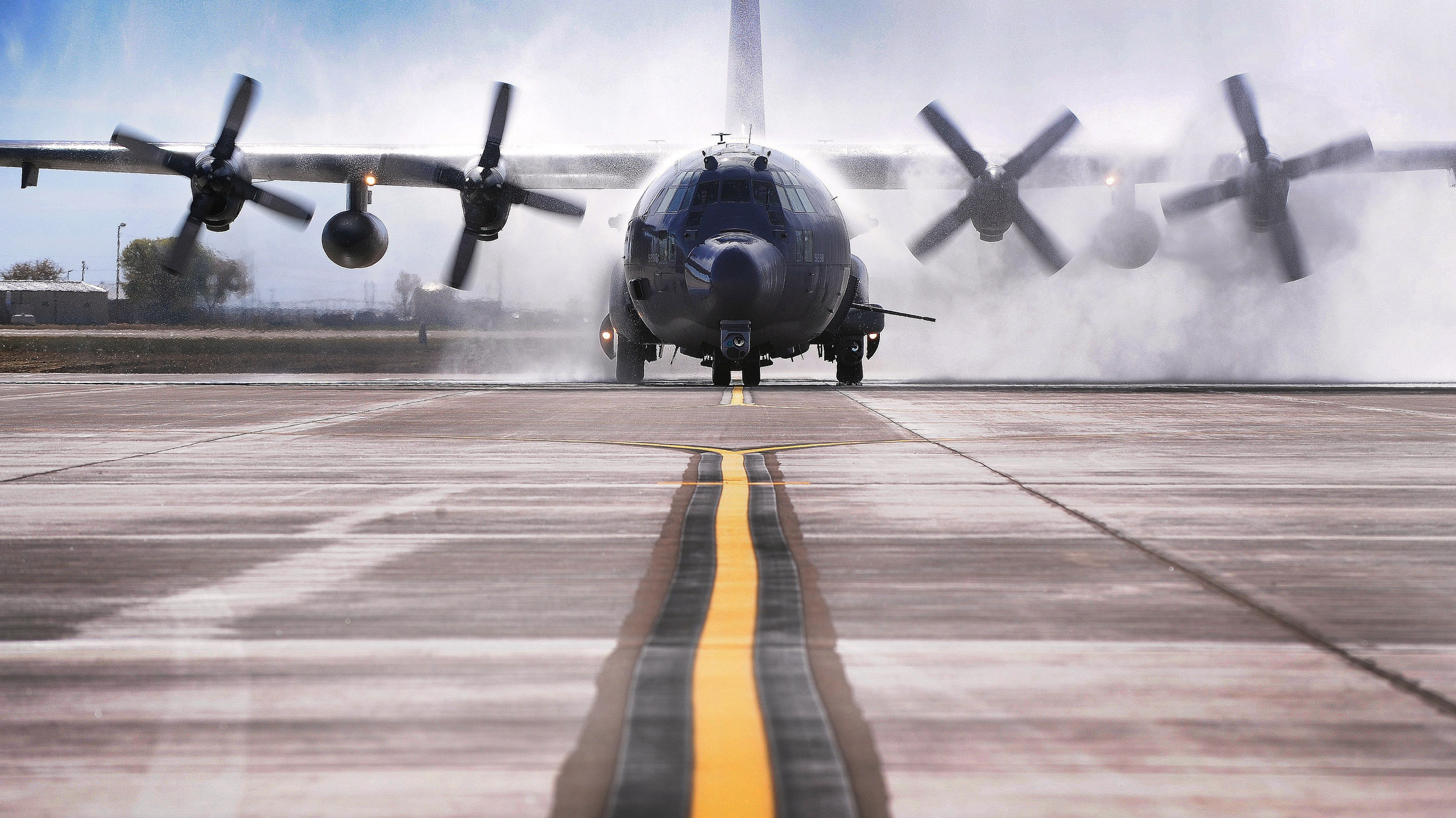 Wallpaper AC 130W Stinger II Aircraft Take Off 2560x1440 QHD Picture