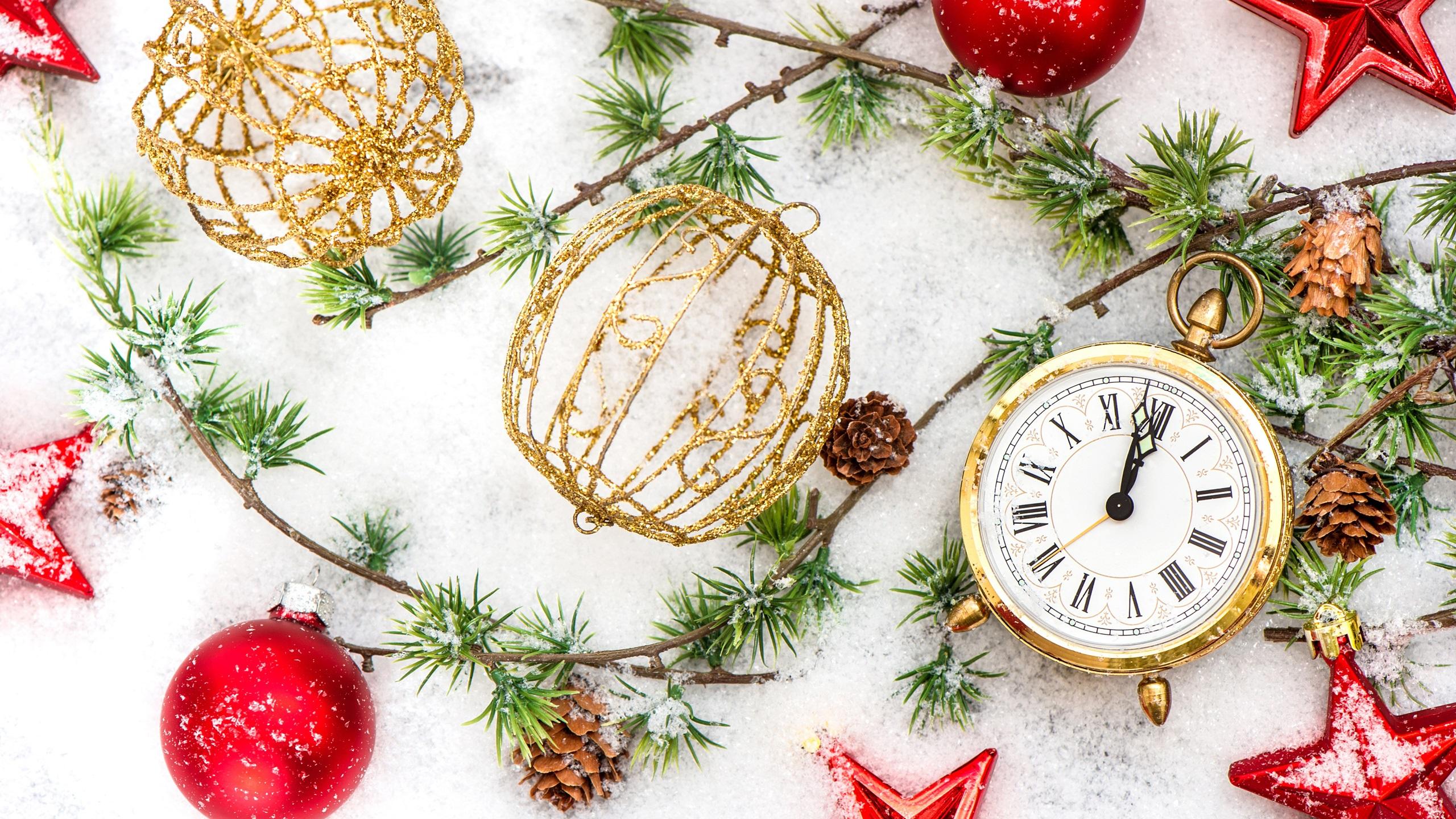С новым годом фон с серебряной часы 1, 16 3 годов назад.