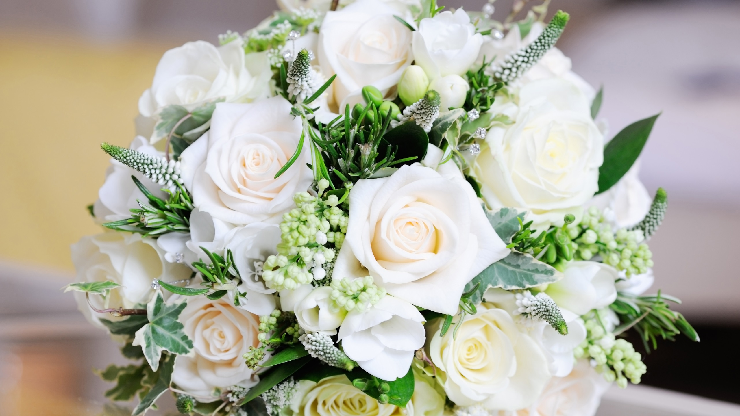 Wallpaper White Bouquet Rose Flowers Leaves 2560x1600 Hd
