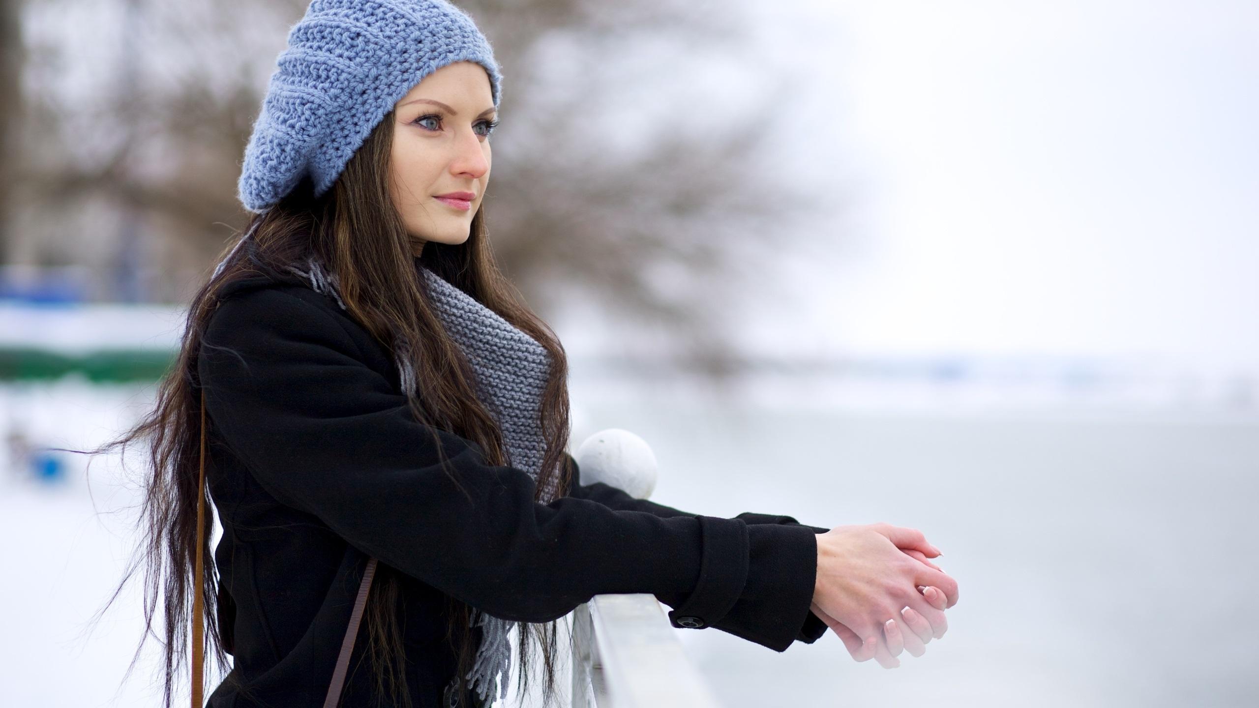 BEAUTIFUL WINTER WEAR HATS FOR GIRLS LADIES