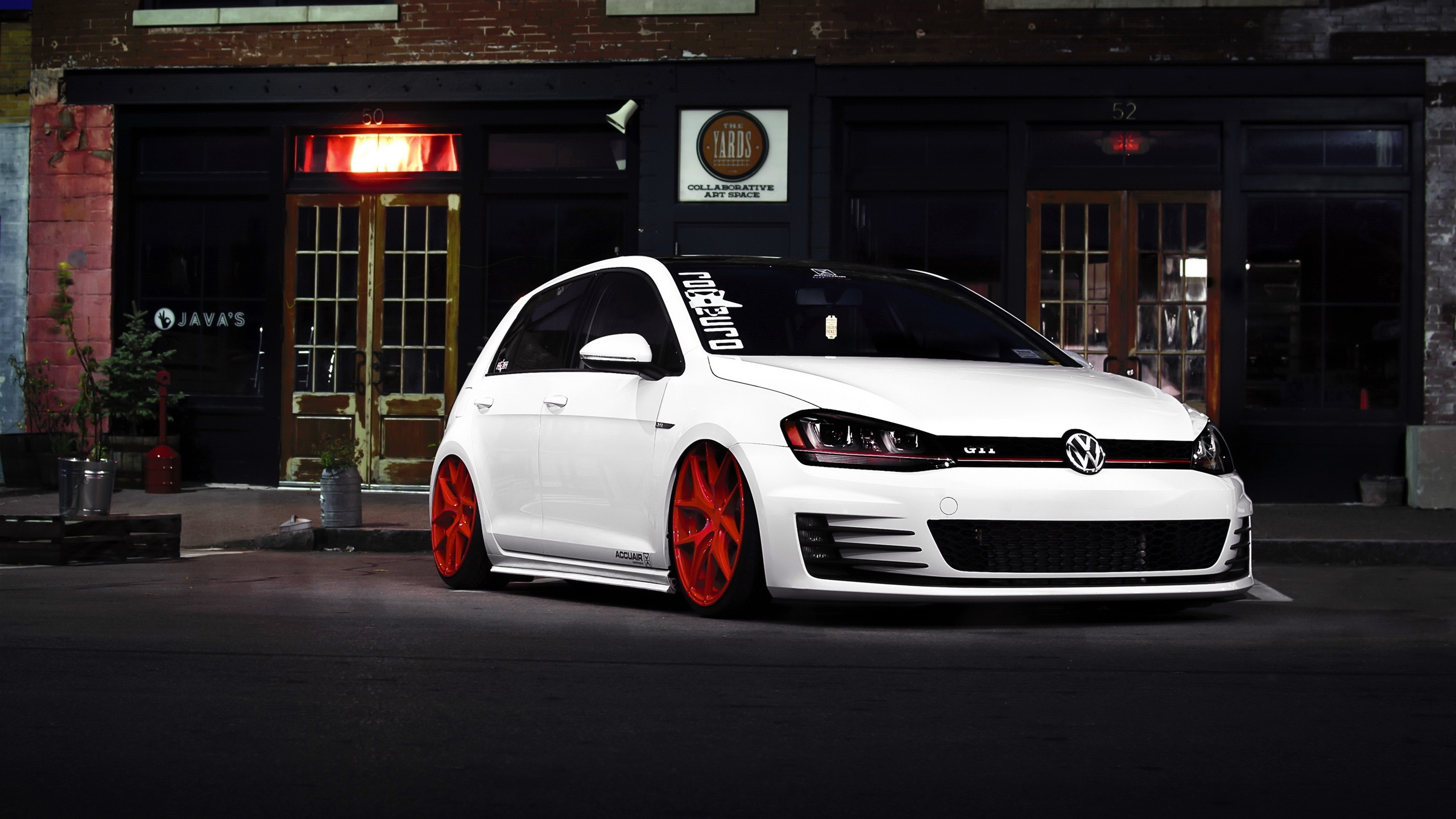 Wallpaper Volkswagen Golf Gti Car Front View 2560x1600 Hd