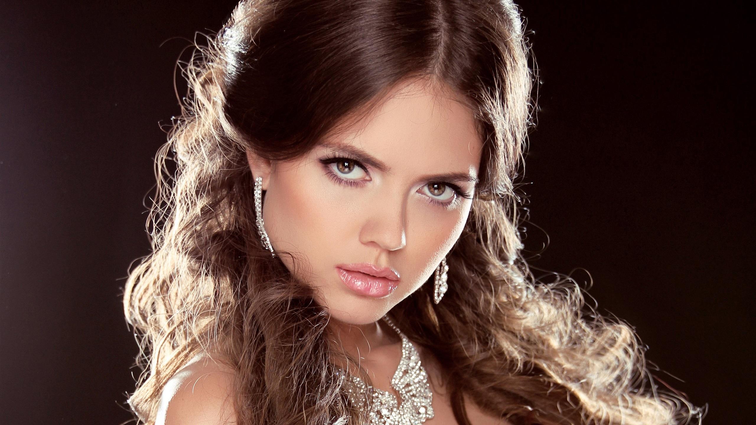 Fonds d 39 cran t l charger 2560x1440 maquillage fille for Fond ecran qhd