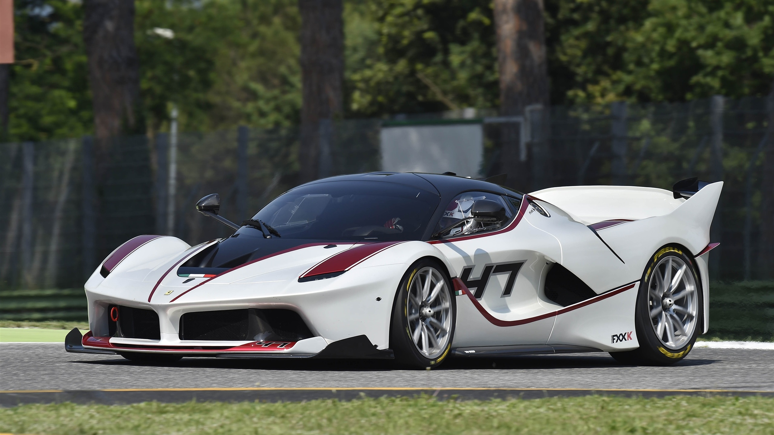 Wallpaper 2015 Ferrari Fxx K White Supercar 2560x1600 Hd Picture Image