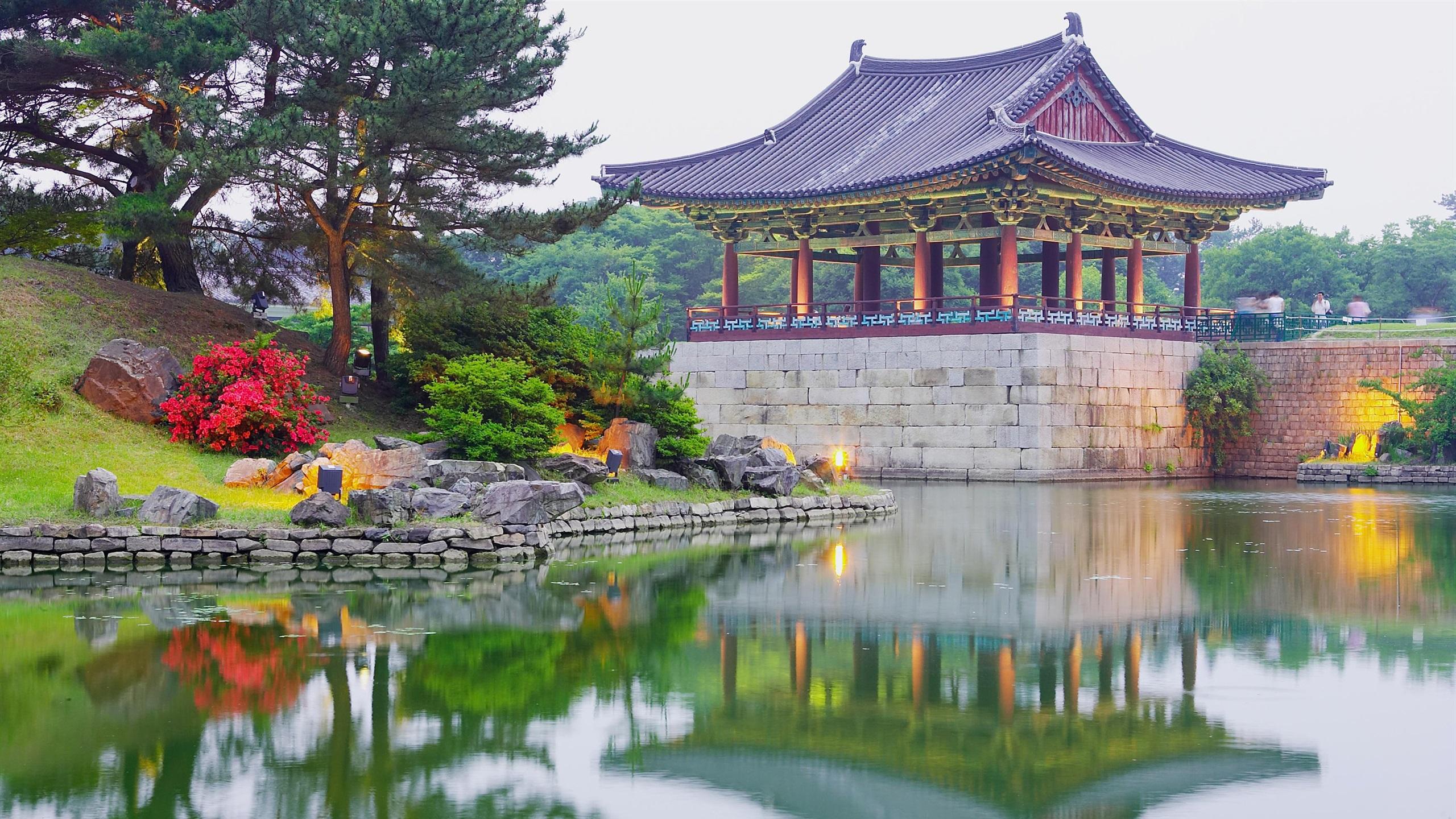 Wallpaper Korea Park Pavilion Lake Trees 2880x1800 HD Picture Image