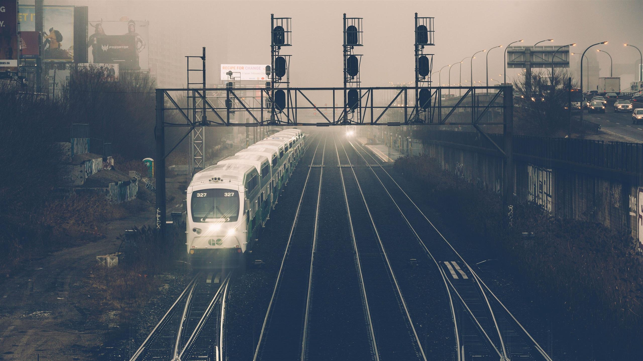 этого момента поезда на вокзале обои и картинки набирал высоту