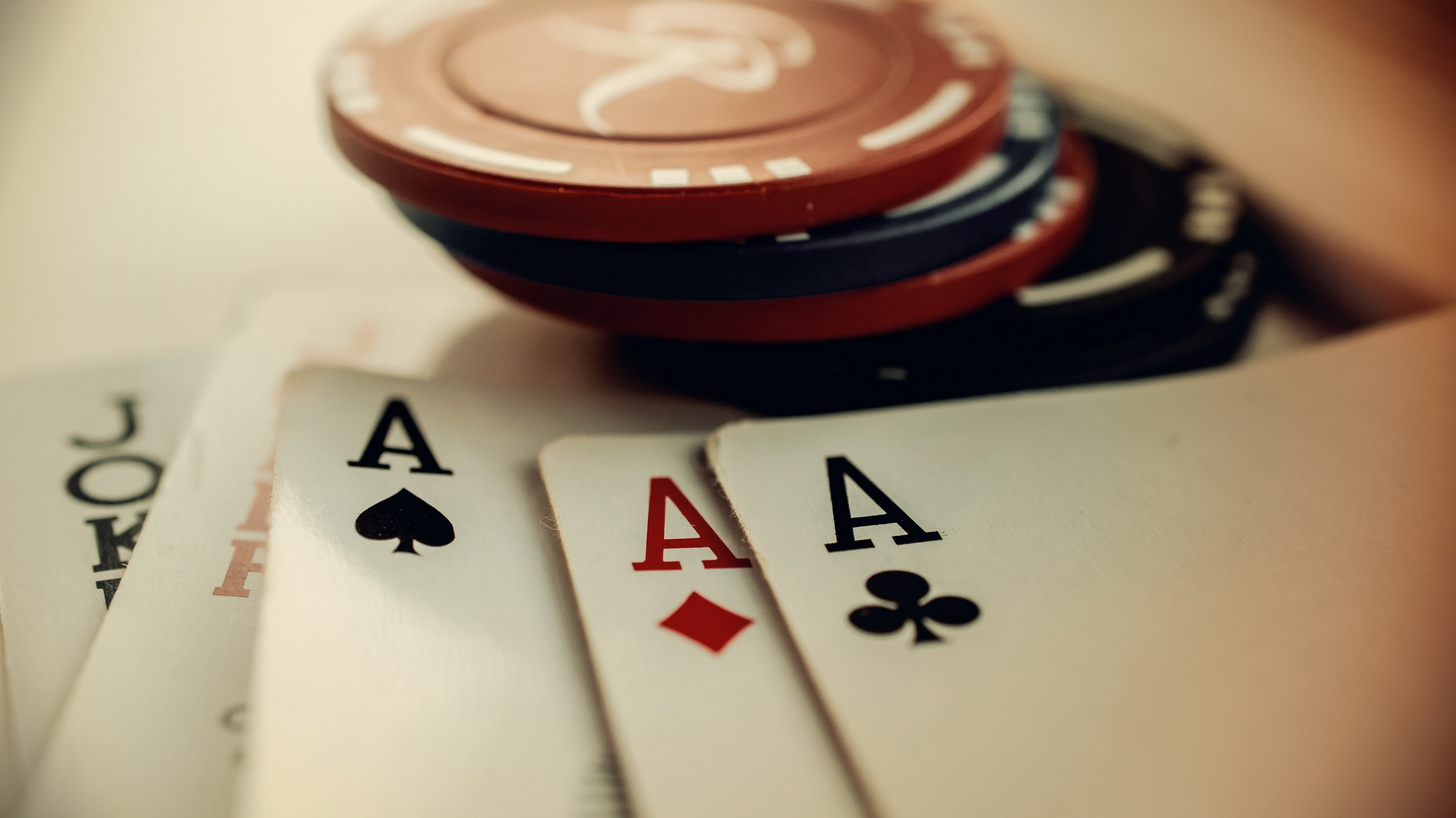 Wallpaper Chips And Poker Cards 2560x1600 Hd Picture Image
