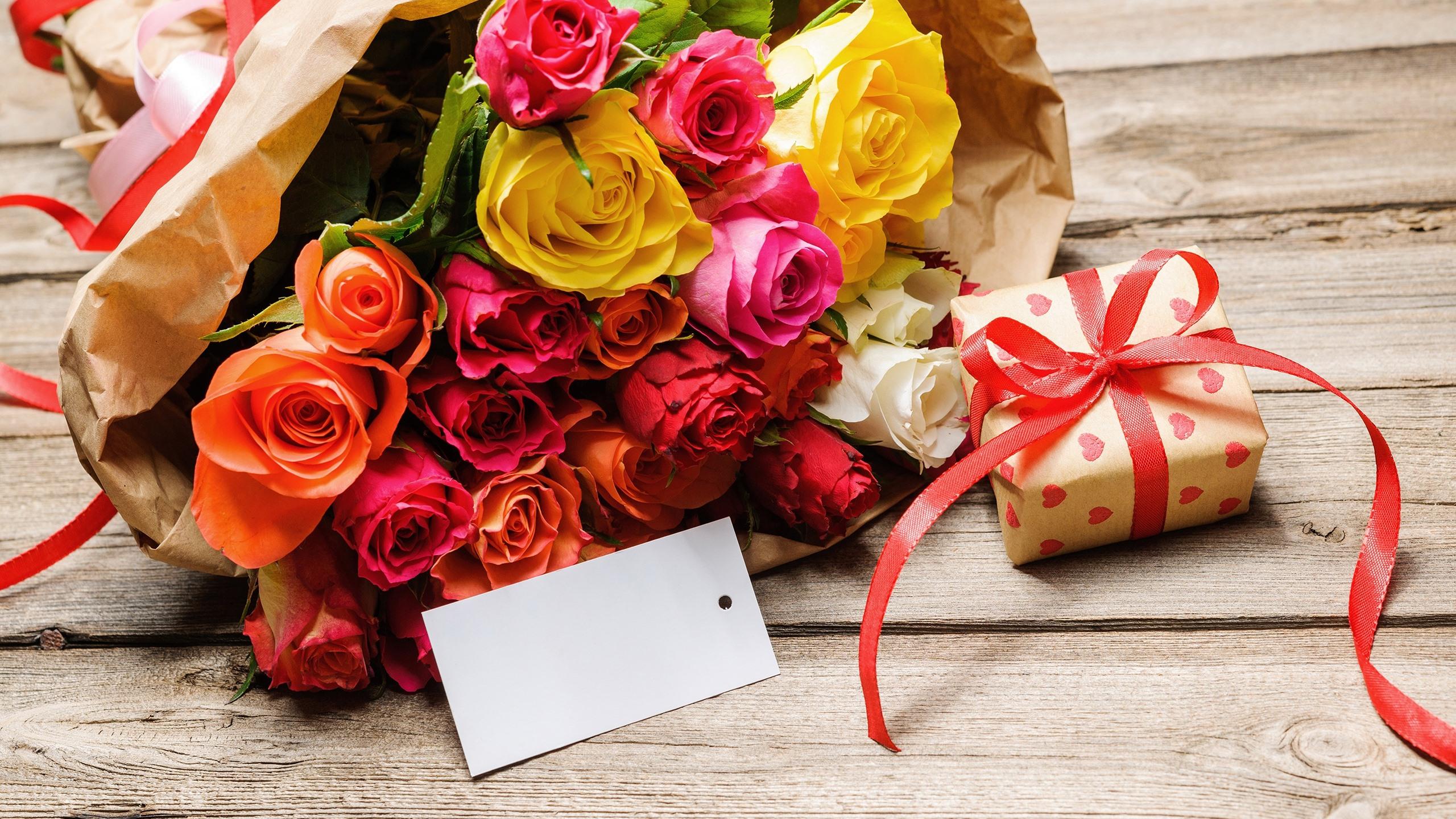 поздравление с днем рождения при вручении букета компания специализируется