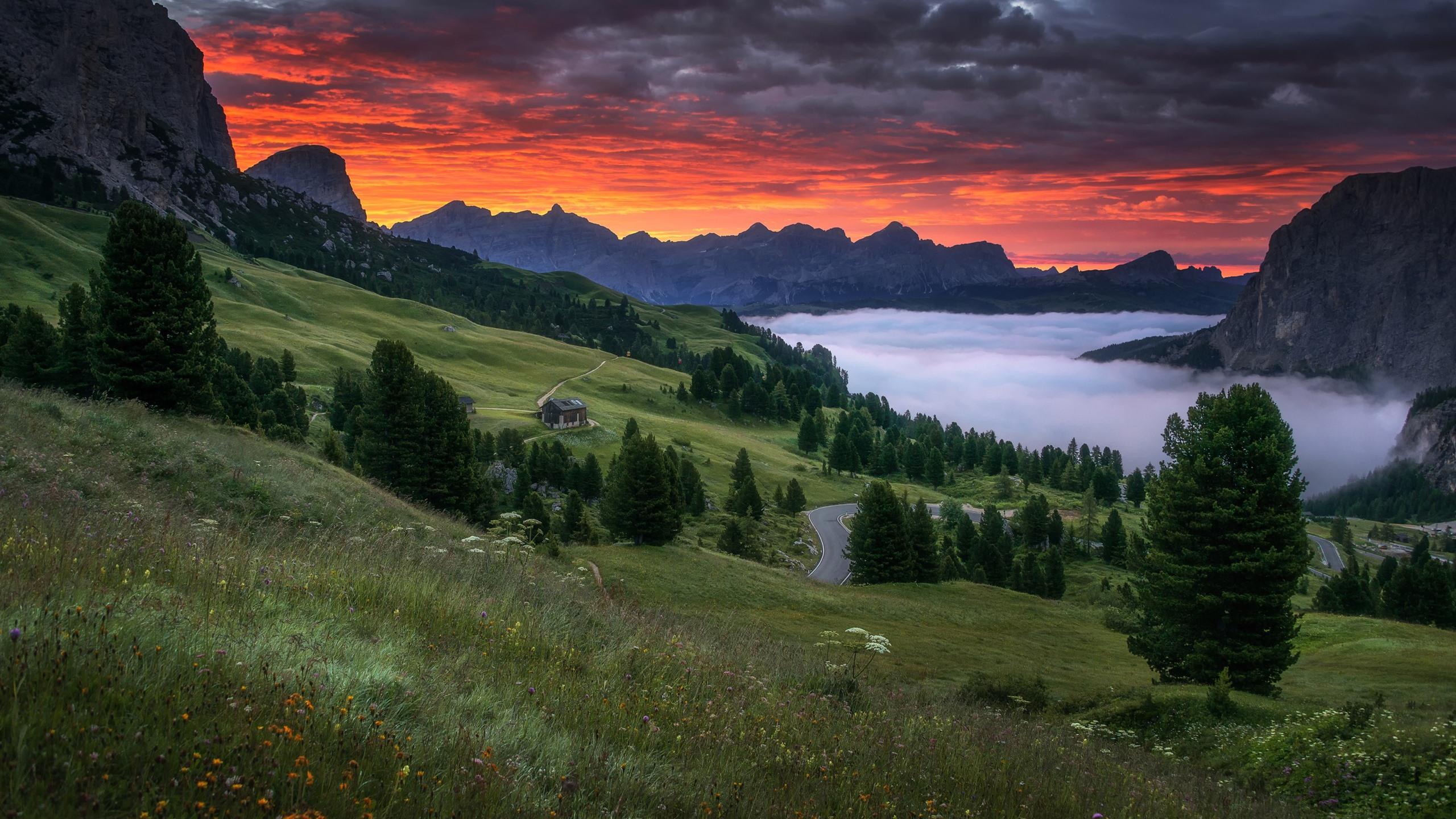 Fonds Décran Montagnes Brouillard Route Nuages Rouges