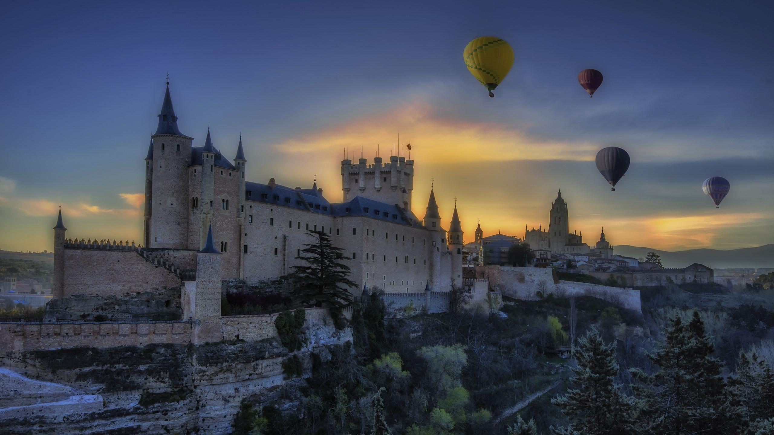 壁紙 スペイン セゴビア カスティーリャレオン 城 木々 熱気球