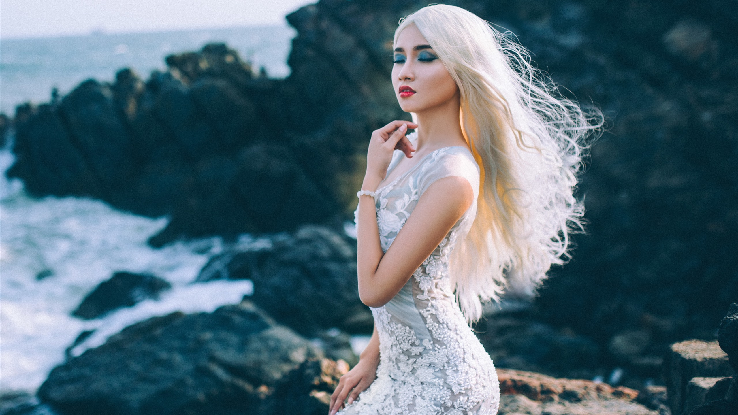 Blonde girl, fashion, black background 1242x2688 iPhone XS