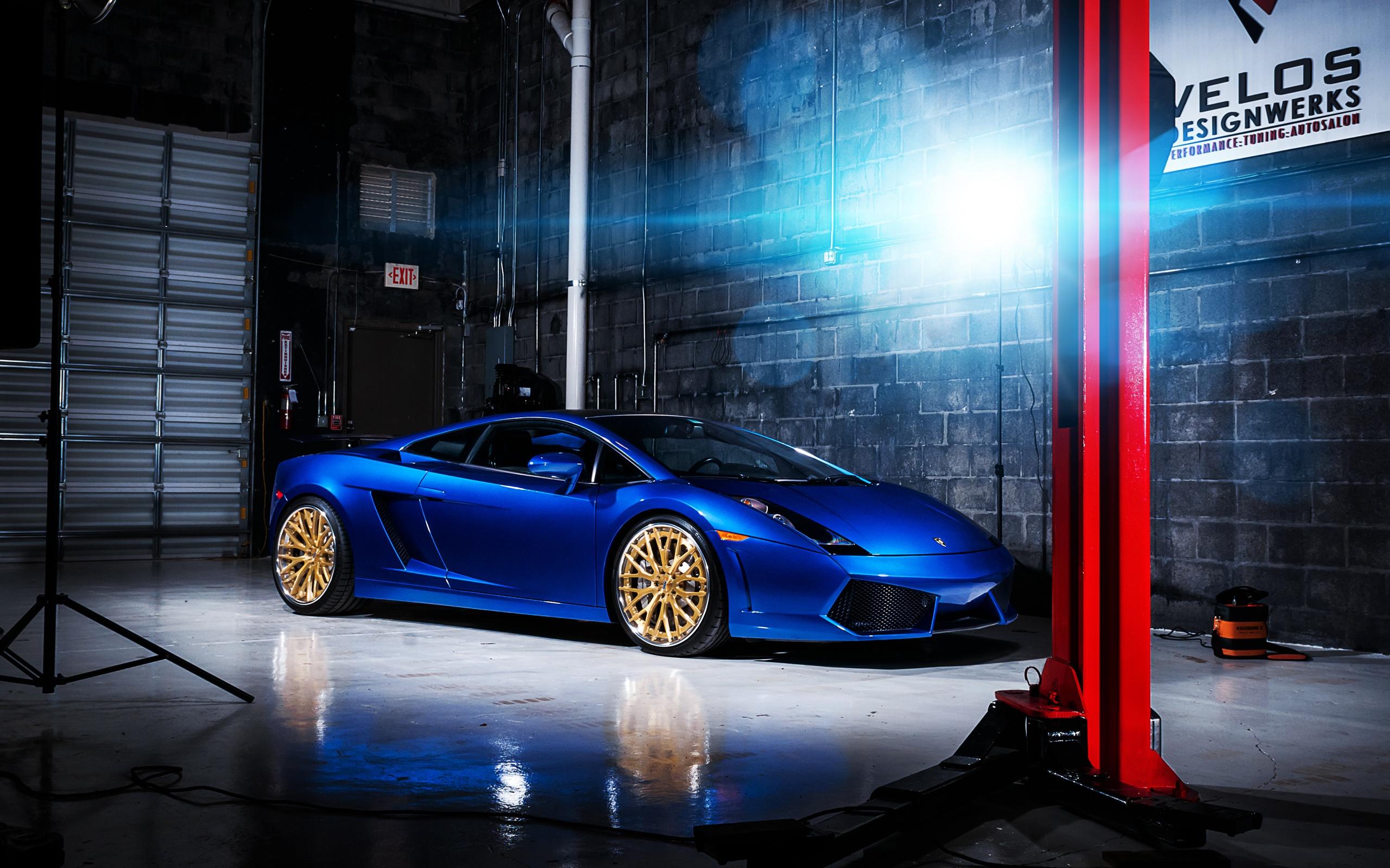 Blue Color Lamborghini Gallardo Supercar Indoor 750x1334 Iphone 8 7