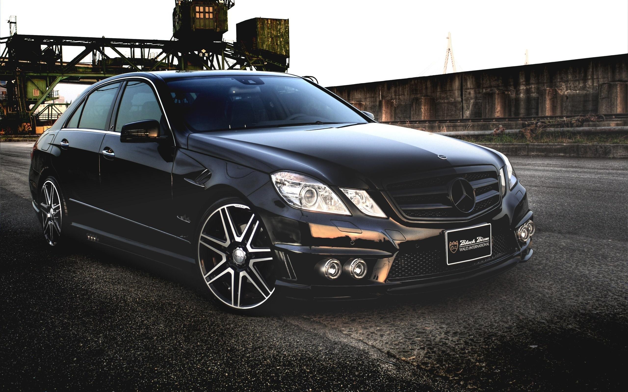 Download wallpaper 2560x1600 mercedes benz e class black for Mercedes benz e class black
