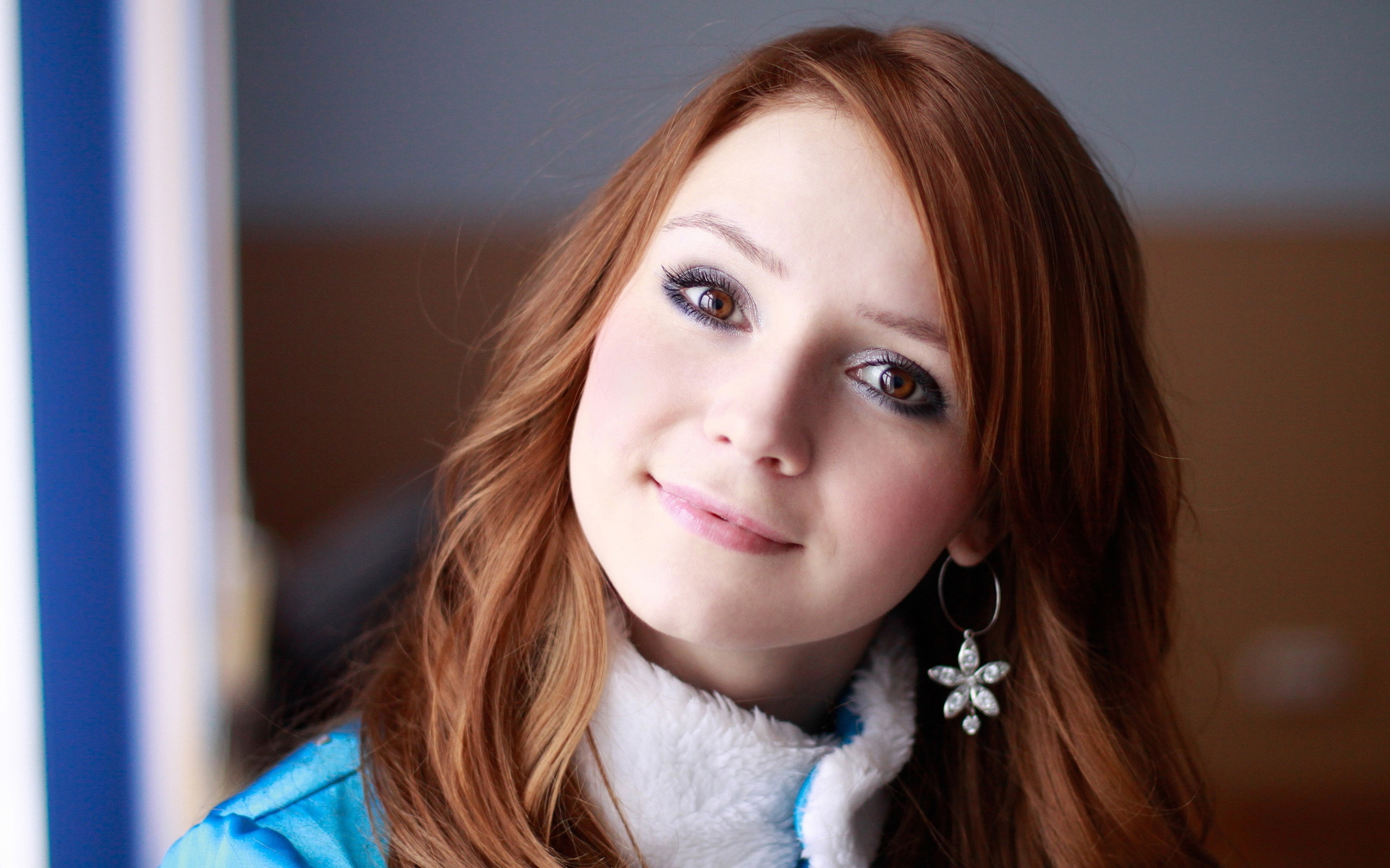 Wallpaper Beautiful Red Hair Girl Smile 2560x1600 Hd Picture