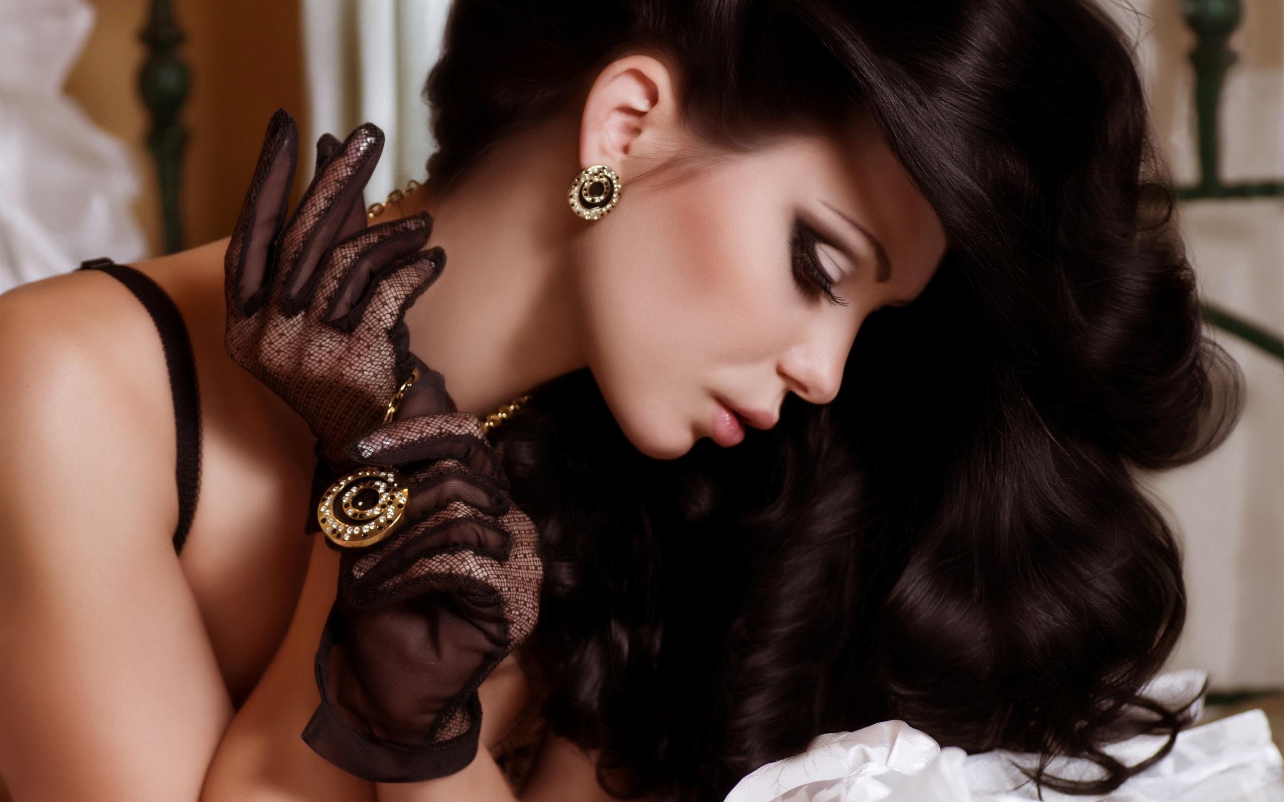 девушка волосы кольцо стена скачать