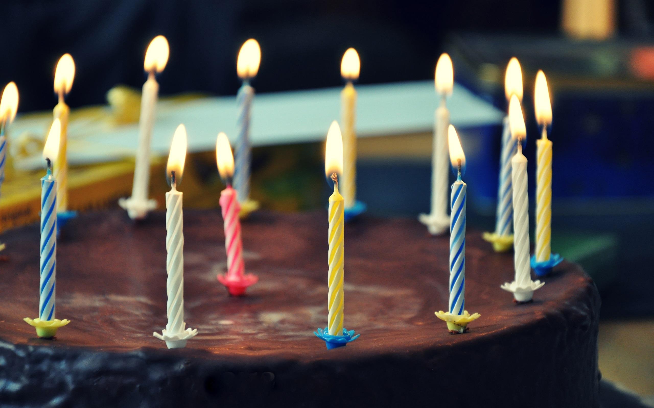 свечка на торте картинка зависимости назначения коврика