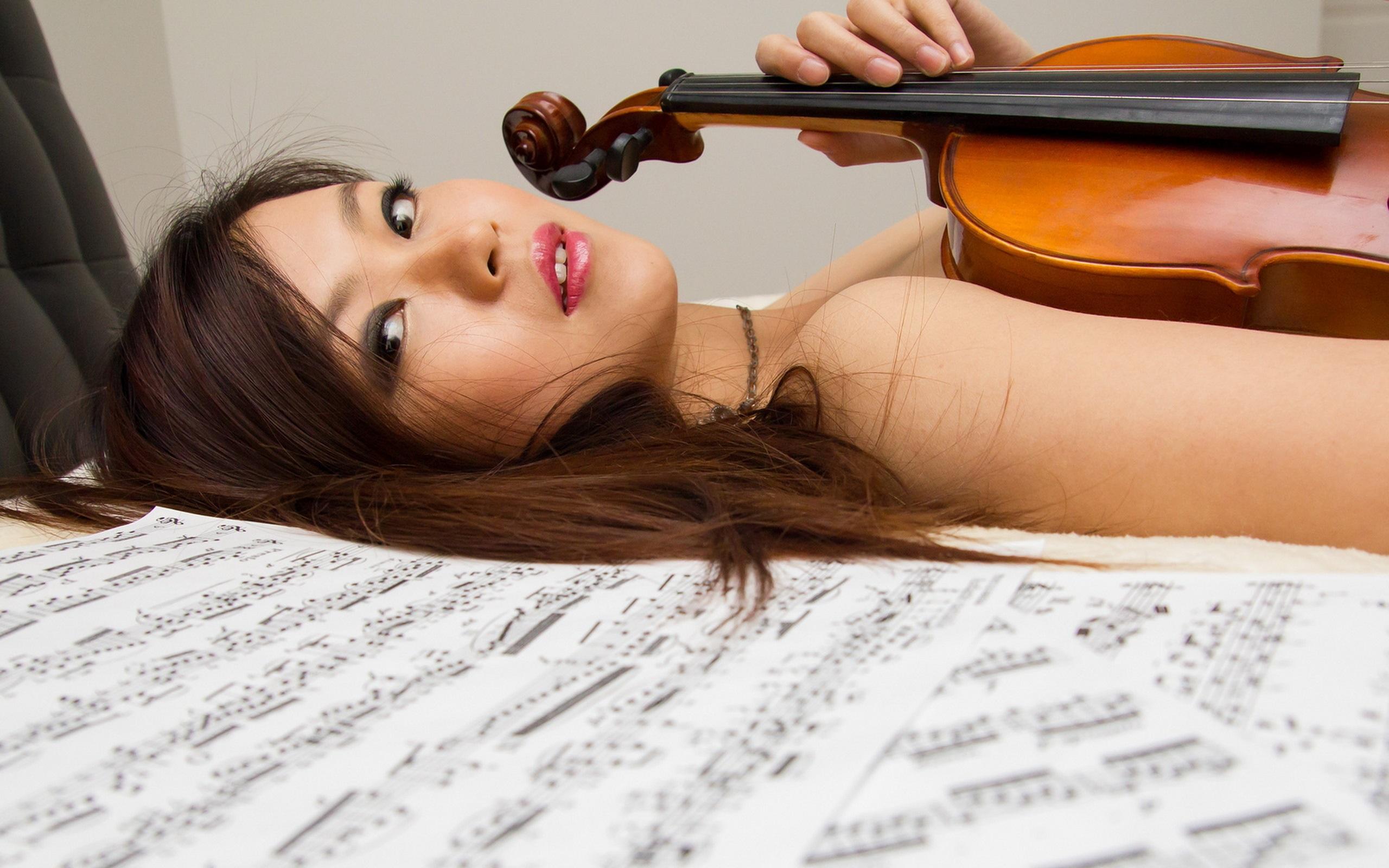 Девушка скрипка  № 707558 бесплатно