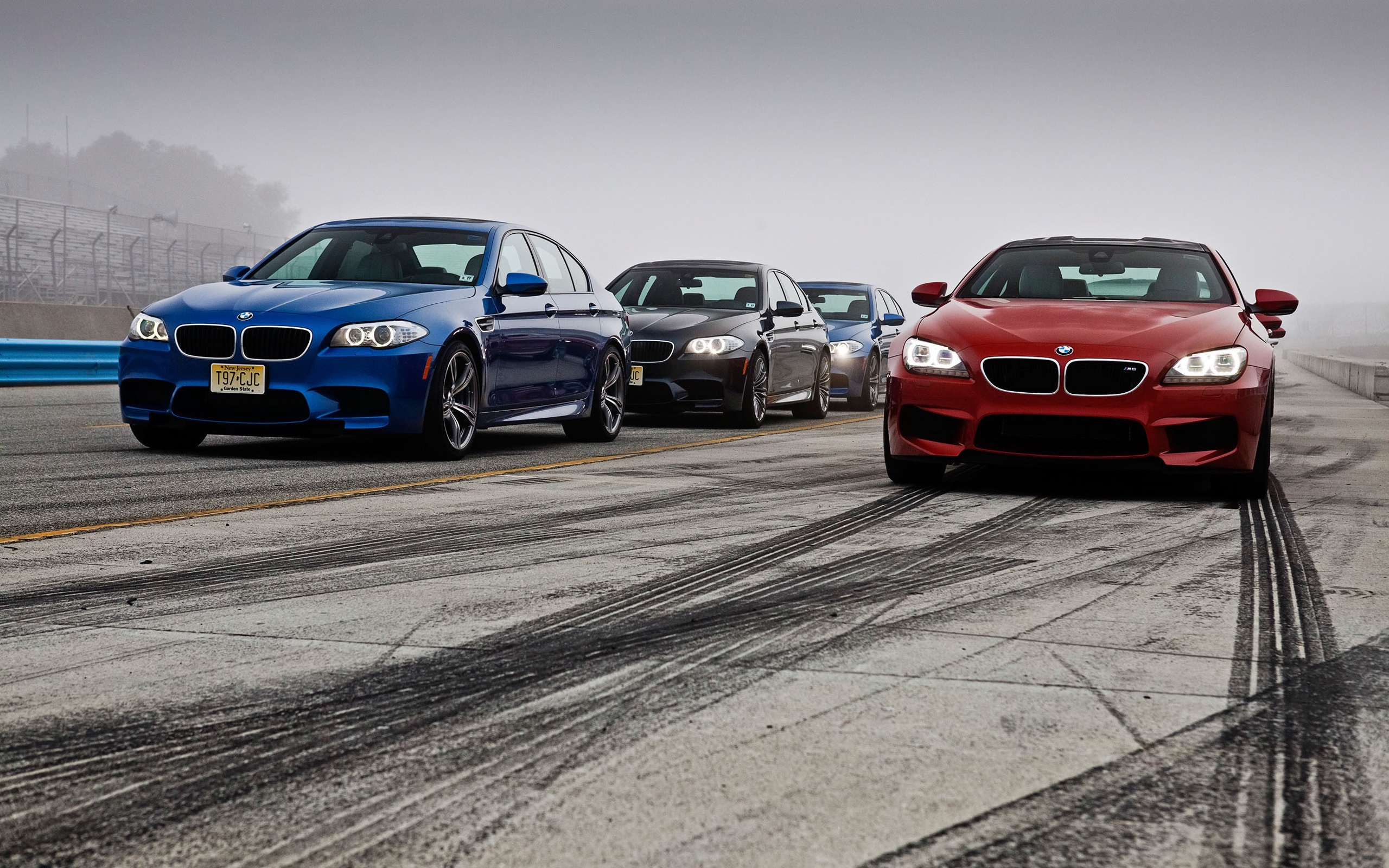 Wallpaper Bmw M5 M6 Red Blue Black Cars 2560x1600 Hd Picture