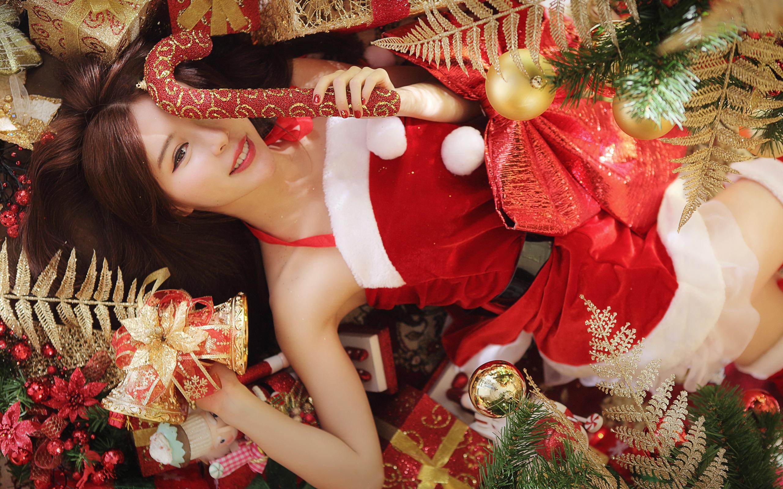 Weihnachten m 228 dchen roten kleid lange haare hintergrundbilder