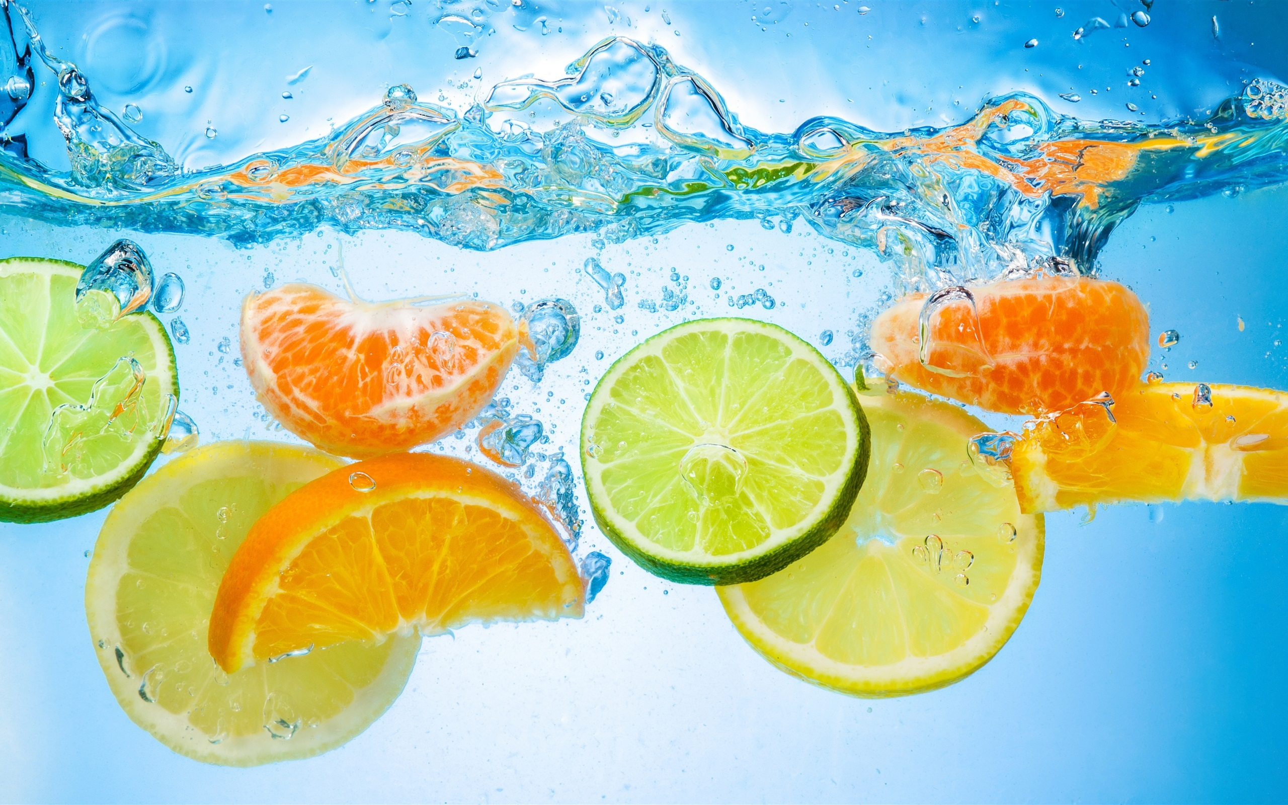壁紙 フルーツカットピース 水 柑橘類 クローズアップ 2560x1600 Hd 無料のデスクトップの背景 画像