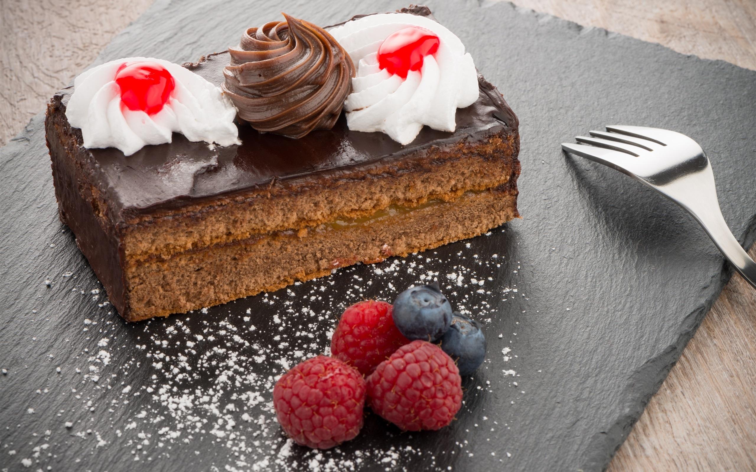 шоколадный брауни малина десерт пирожное загрузить