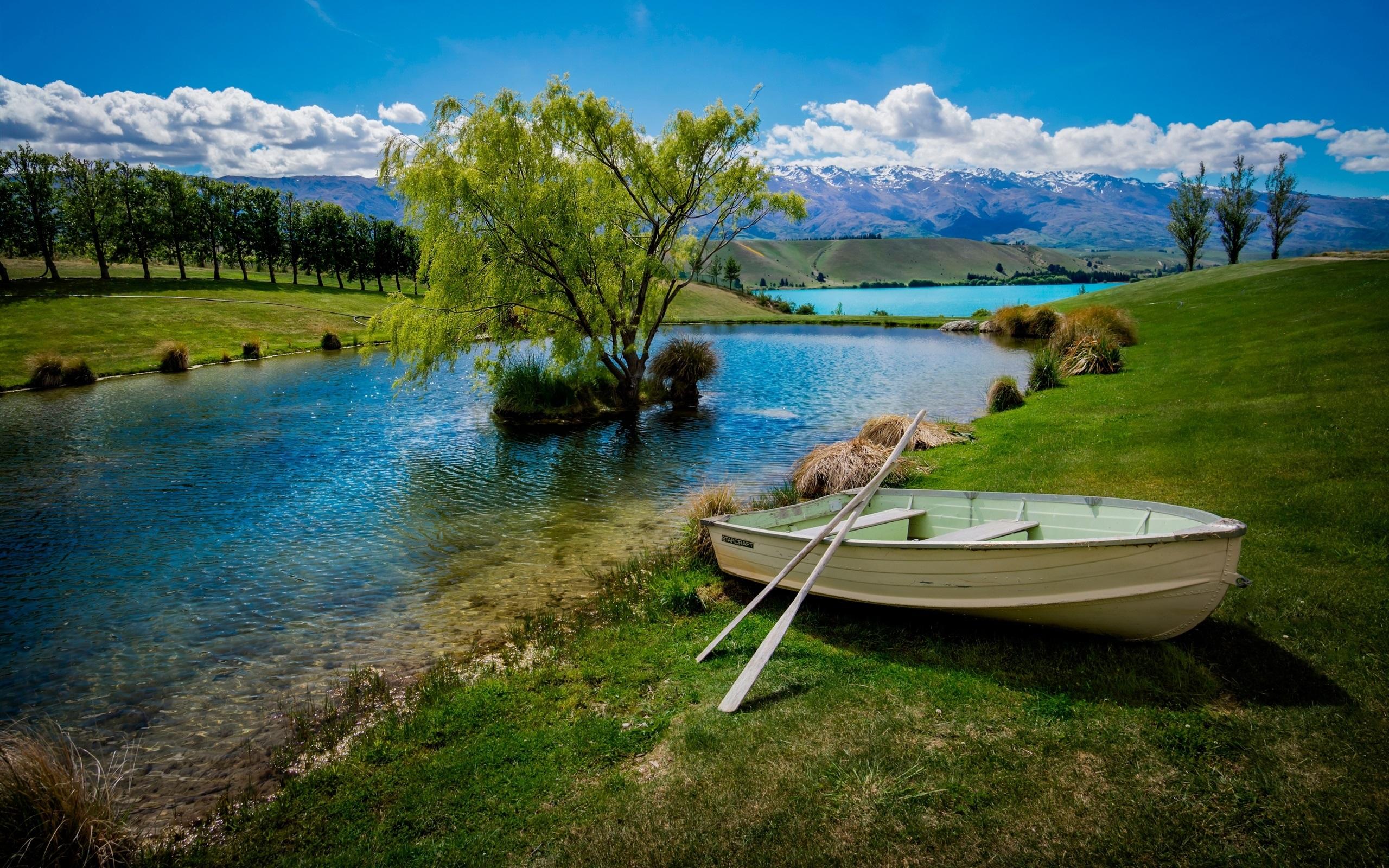 Открытка лодка на реке, картинки спорте девушки