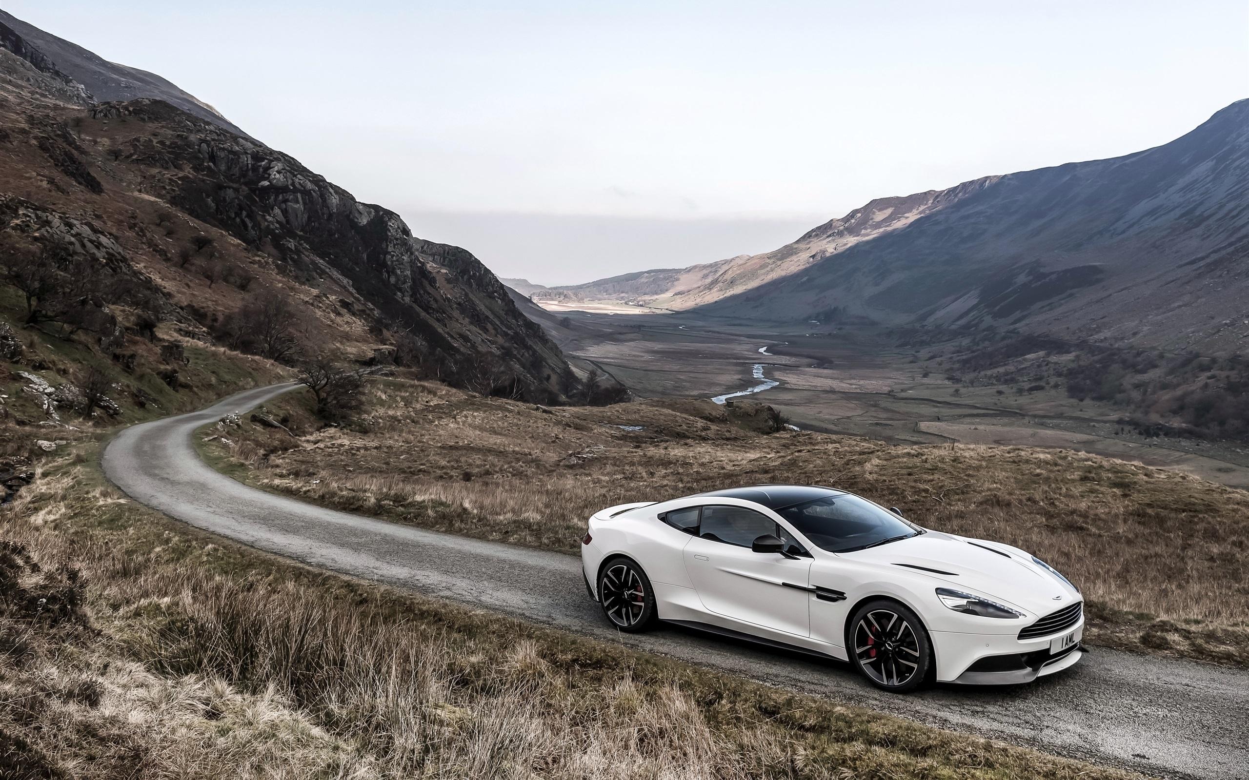 Wallpaper 2014 Aston Martin Vanquish Carbon White Supercar 2560x1600 Hd Picture Image