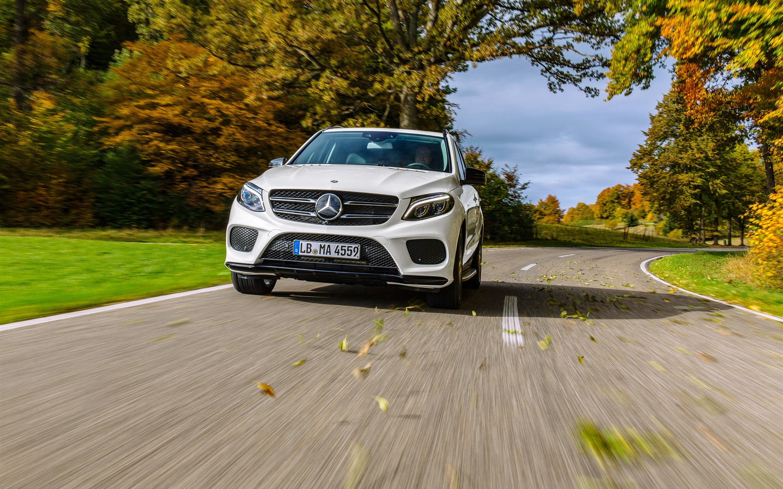 mercedes benz amg gle class w166 voiture blanche vue de face fonds d 39 cran 2560x1600 fonds d. Black Bedroom Furniture Sets. Home Design Ideas