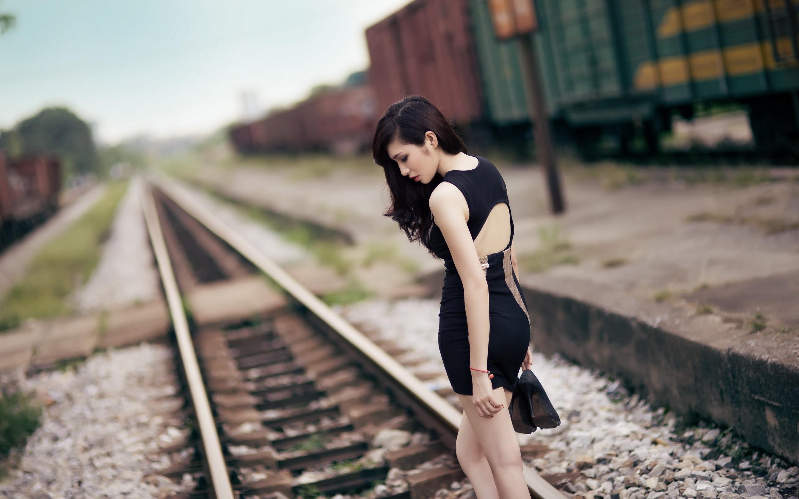 позируем на железнодорожном мосту считаю, что таким