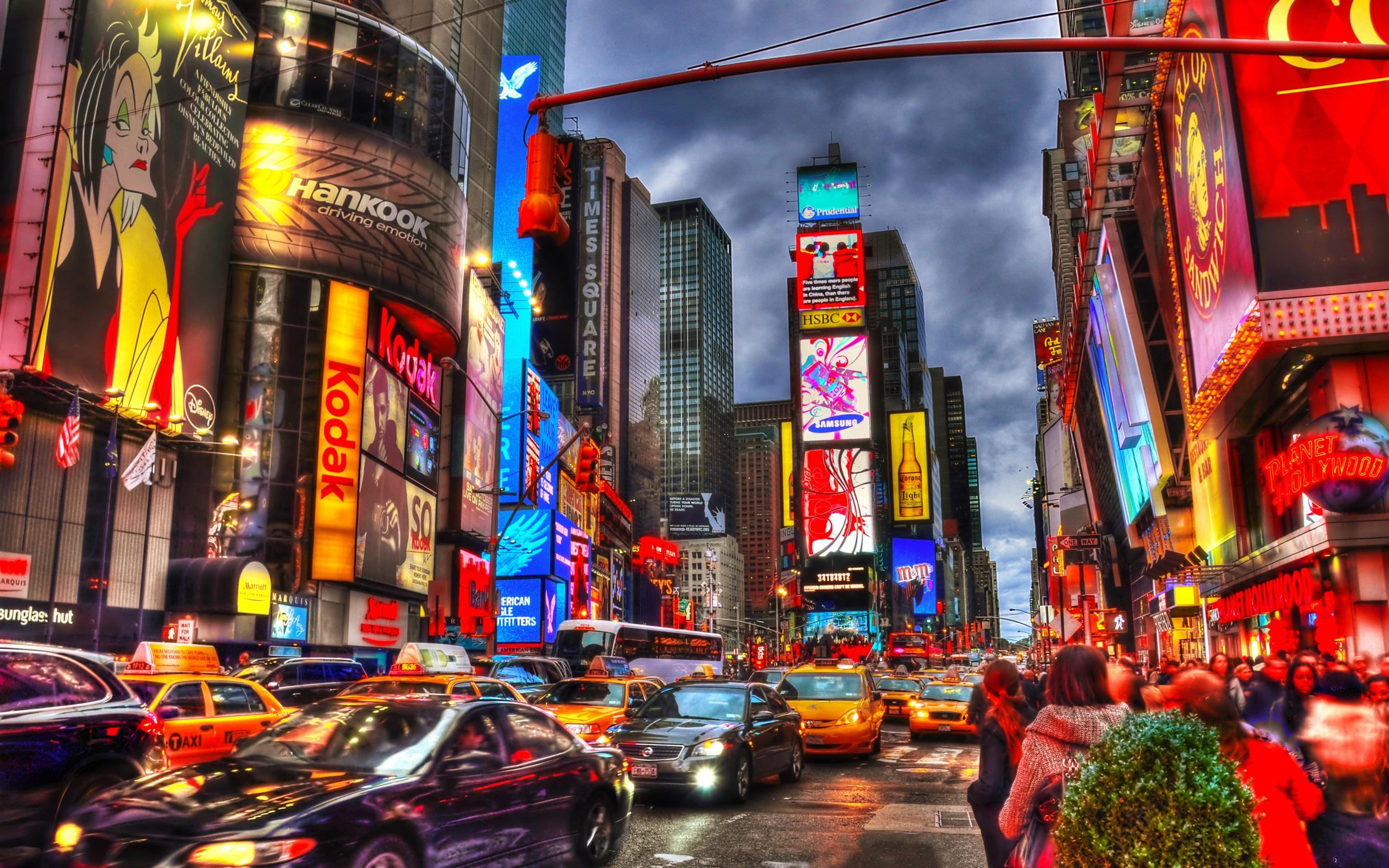 壁纸 纽约市时代广场,晚上,高楼林立,商铺,灯,汽车,人 3840x2160 UHD 4K 高清壁纸, 图片, 照片