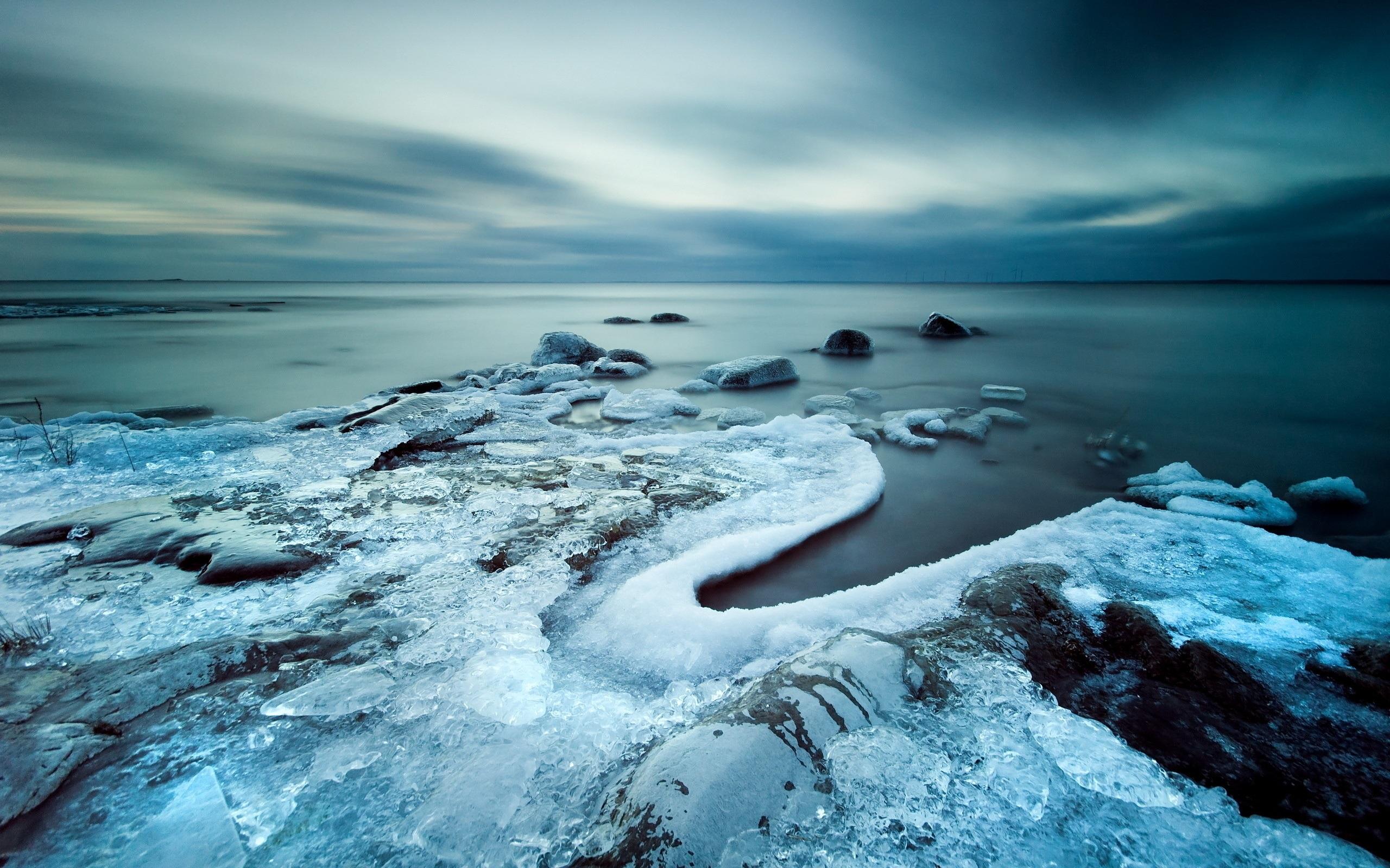 природа камни море побережье скалы зима снег скачать