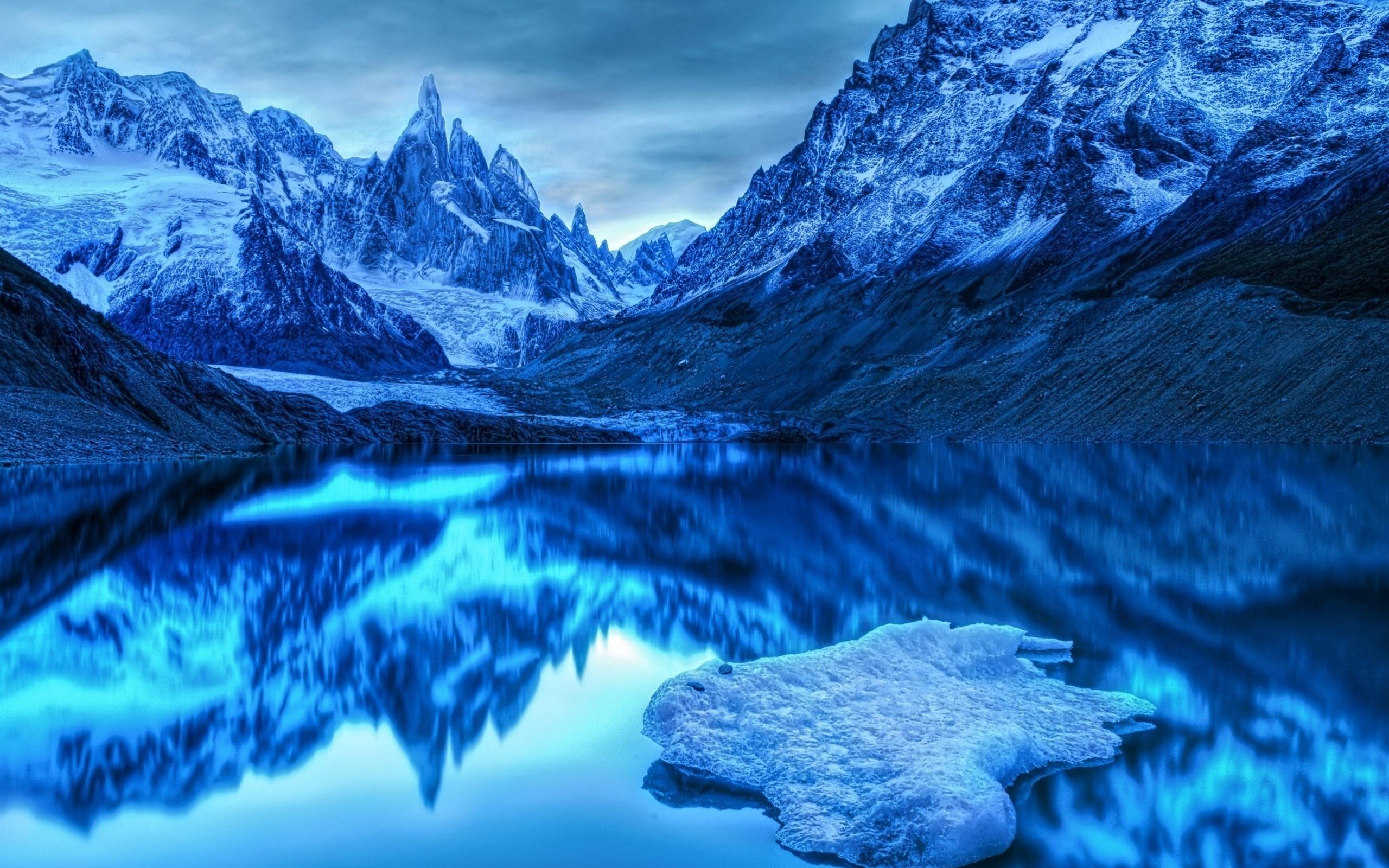 壁紙 ブルースタイル 山 湖 澄んだ水 水の反射 雪 夕暮れ 2560x1600 Hd 無料のデスクトップの背景 画像