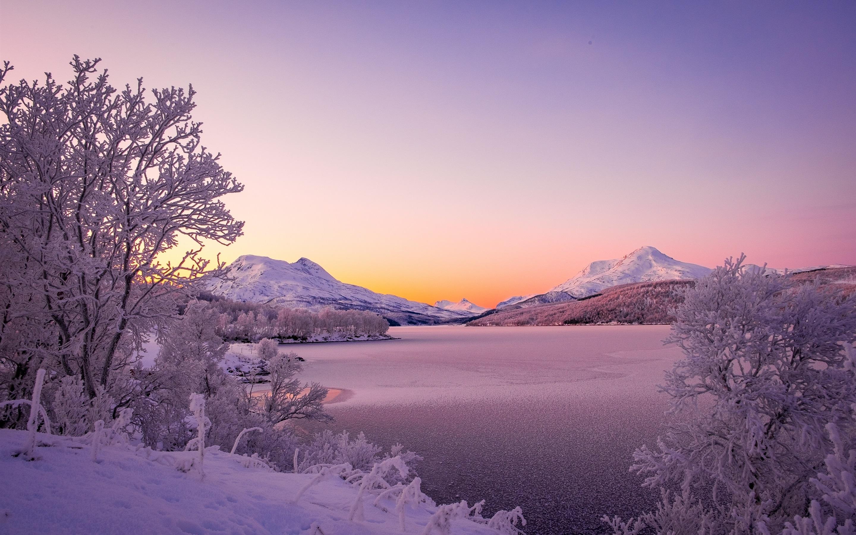 Fonds Décran Norvège Montagnes Scandinaves Lac Hiver