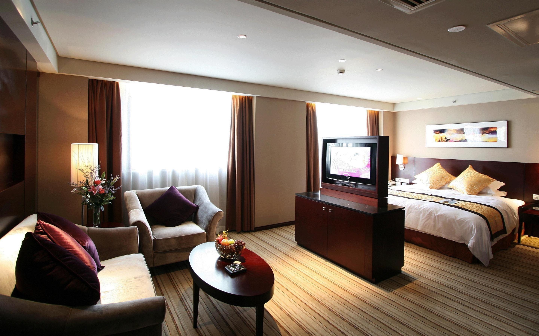 壁紙 寝室 ソファー ベッド テーブル ランプ 2880x1800 Hd 無料の