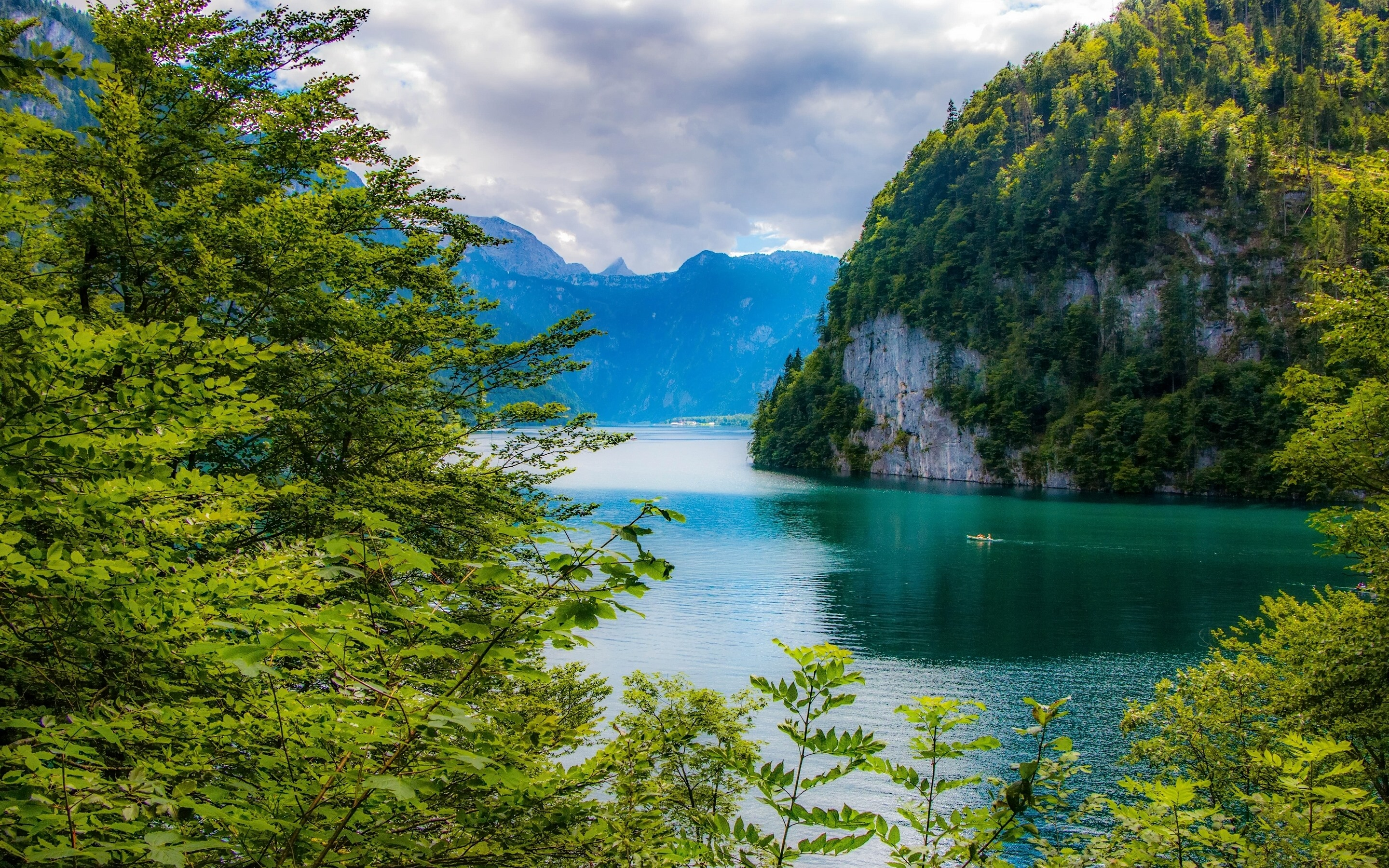 Wallpaper Bavaria Germany Lake Mountains Trees Green Beautiful Scenery 2880x1800 Hd Picture Image