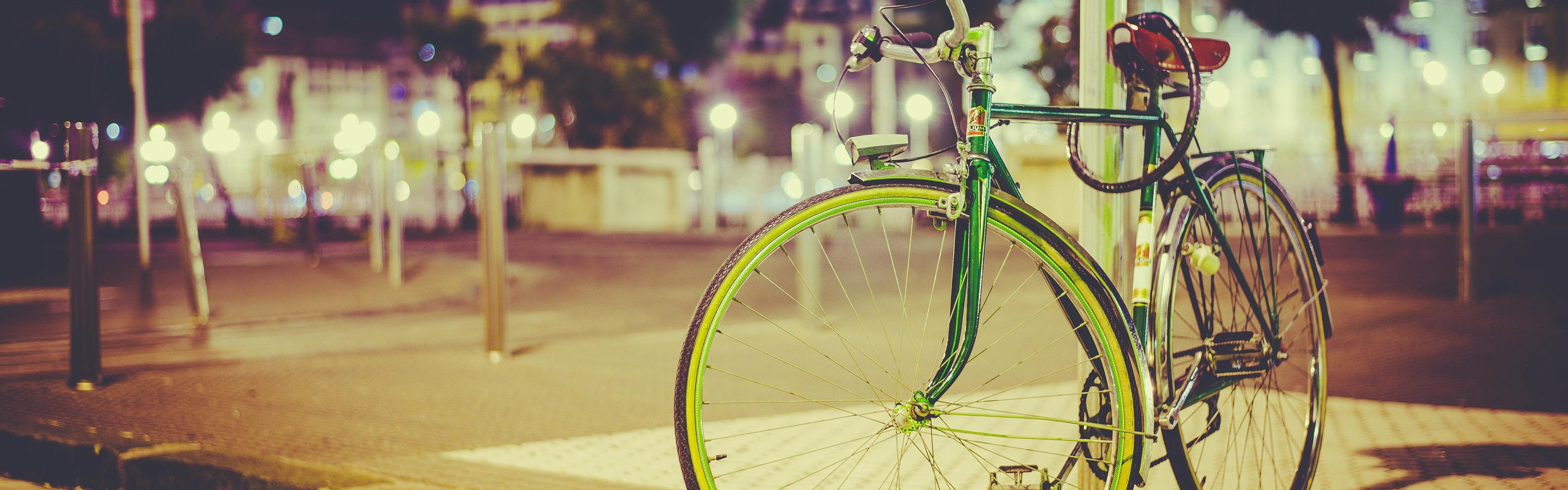 Wallpaper Bike, lamp post, city night, lights 3840x2160 UHD 4K ...