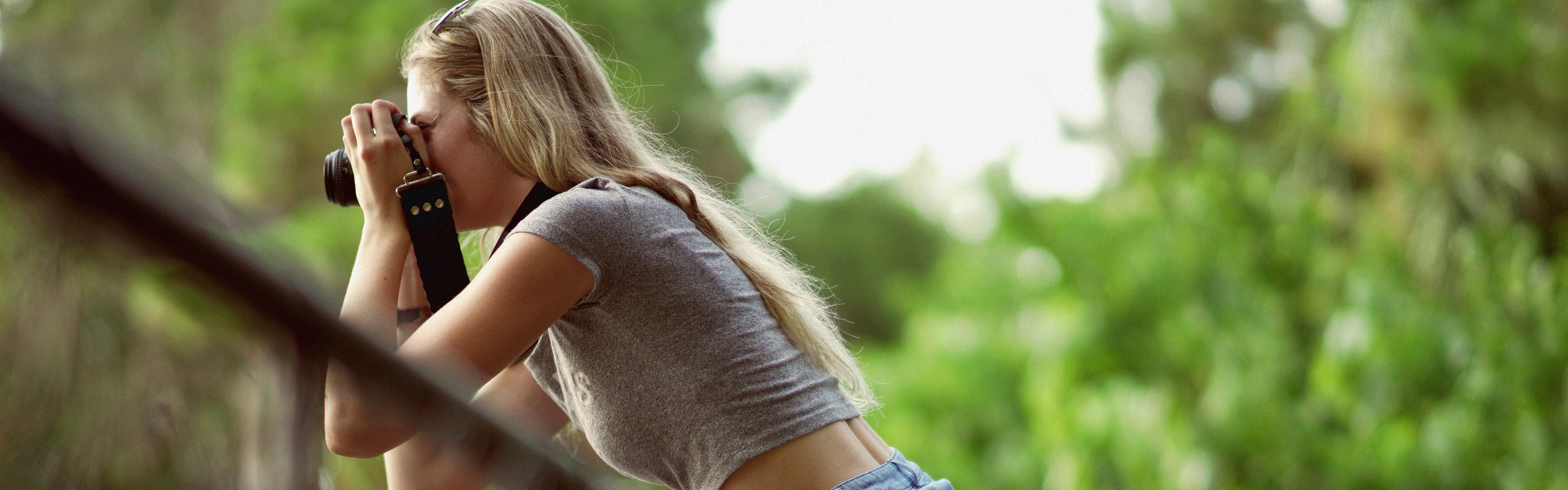 Wallpaper Blonde girl, white skirt, pose, boat 5120x2880