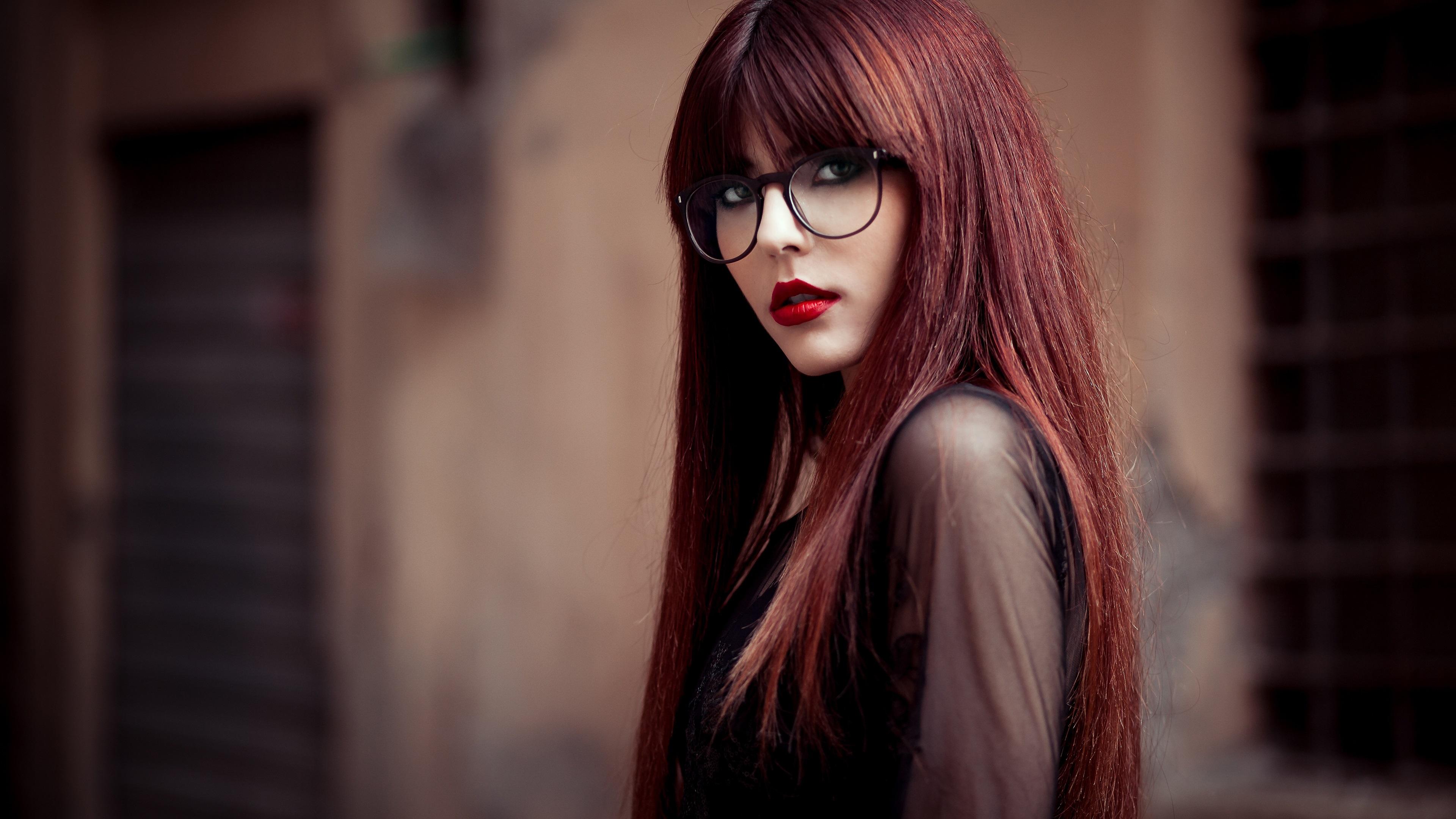 девушка очки волосы бесплатно