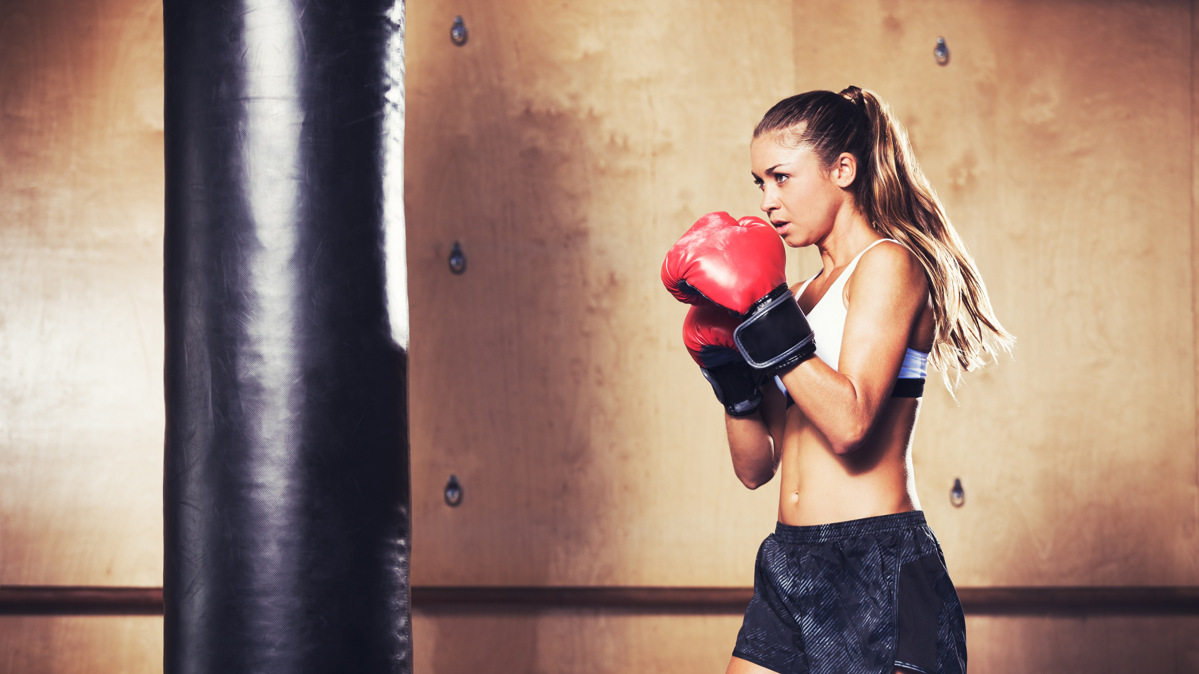 Wallpaper Boxing Girl Training 3840x2160 UHD 4K Picture Image