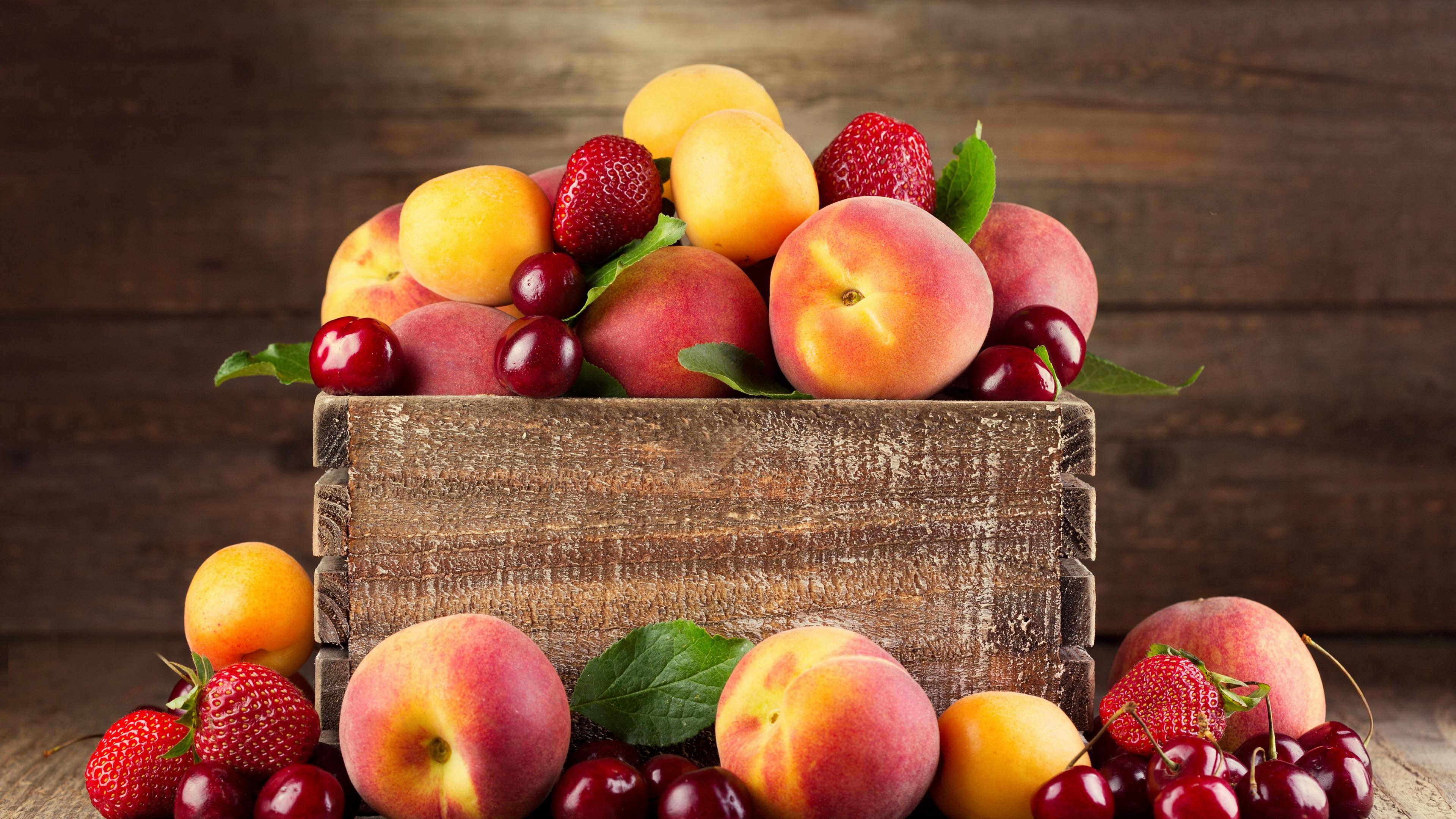 Персики мед вишня в хорошем качестве