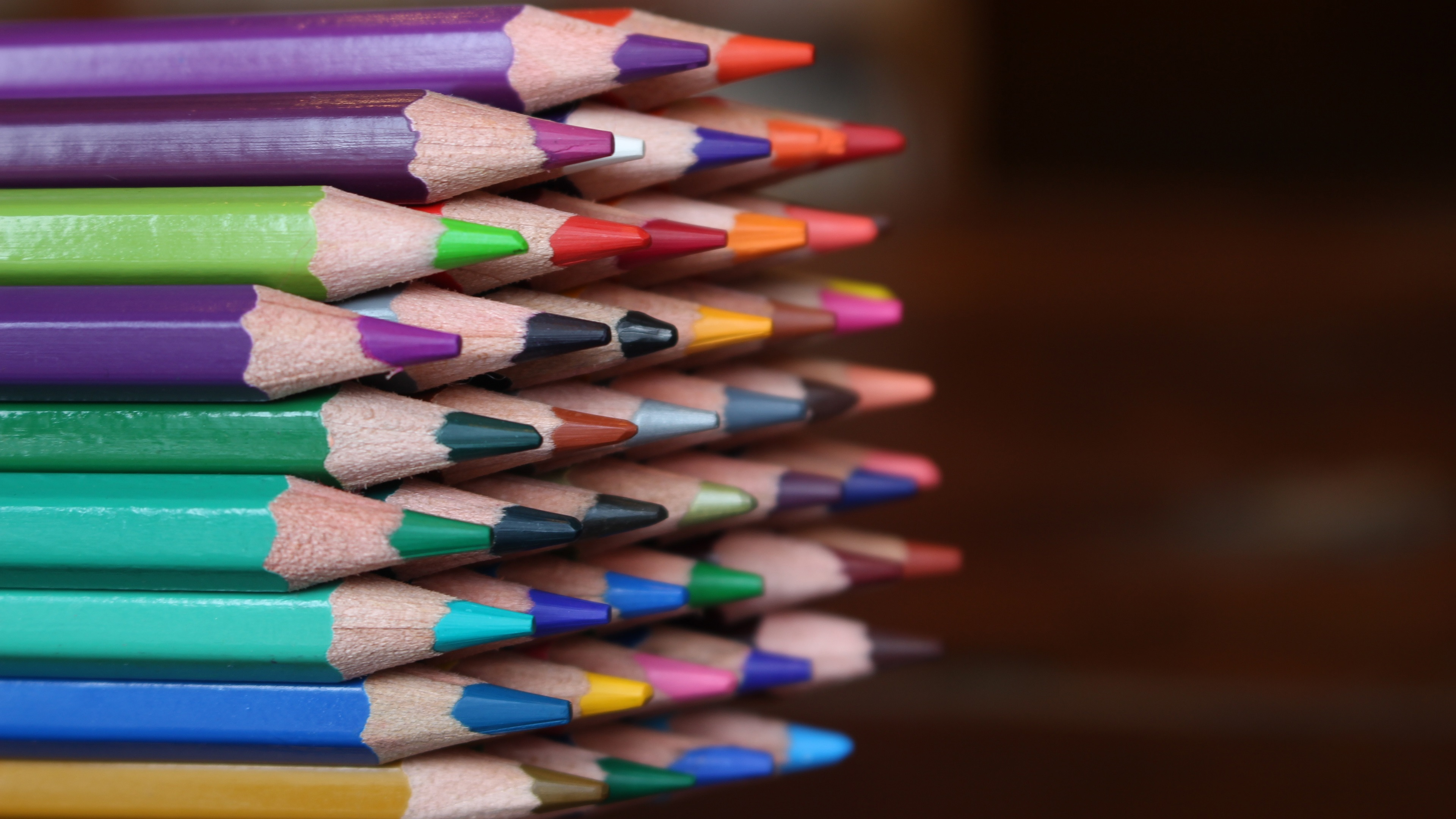 Заточенные карандаши на телефон
