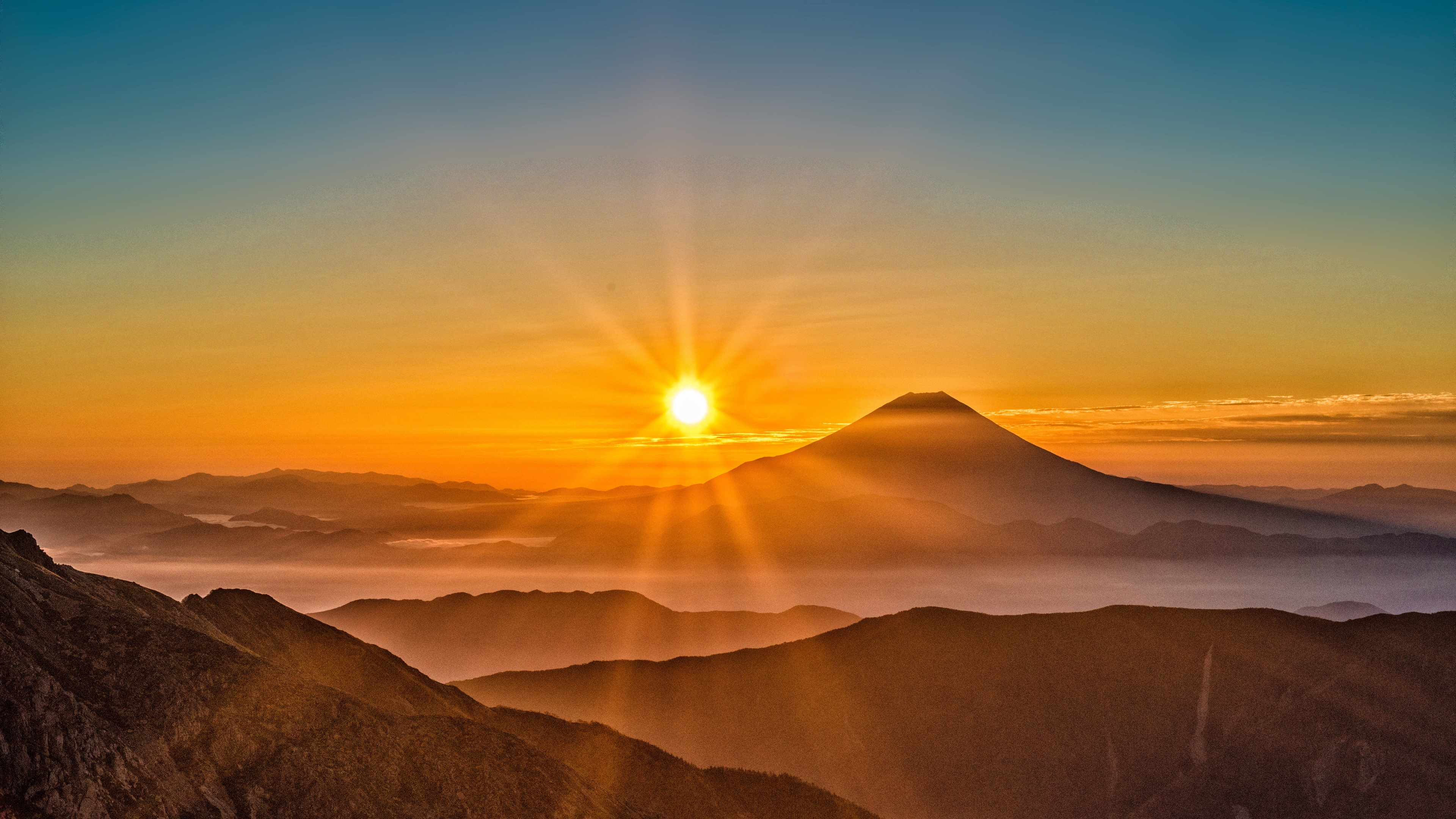壁紙 富士山 日の出 霧 山 日本 3840x2160 Uhd 4k 無料の