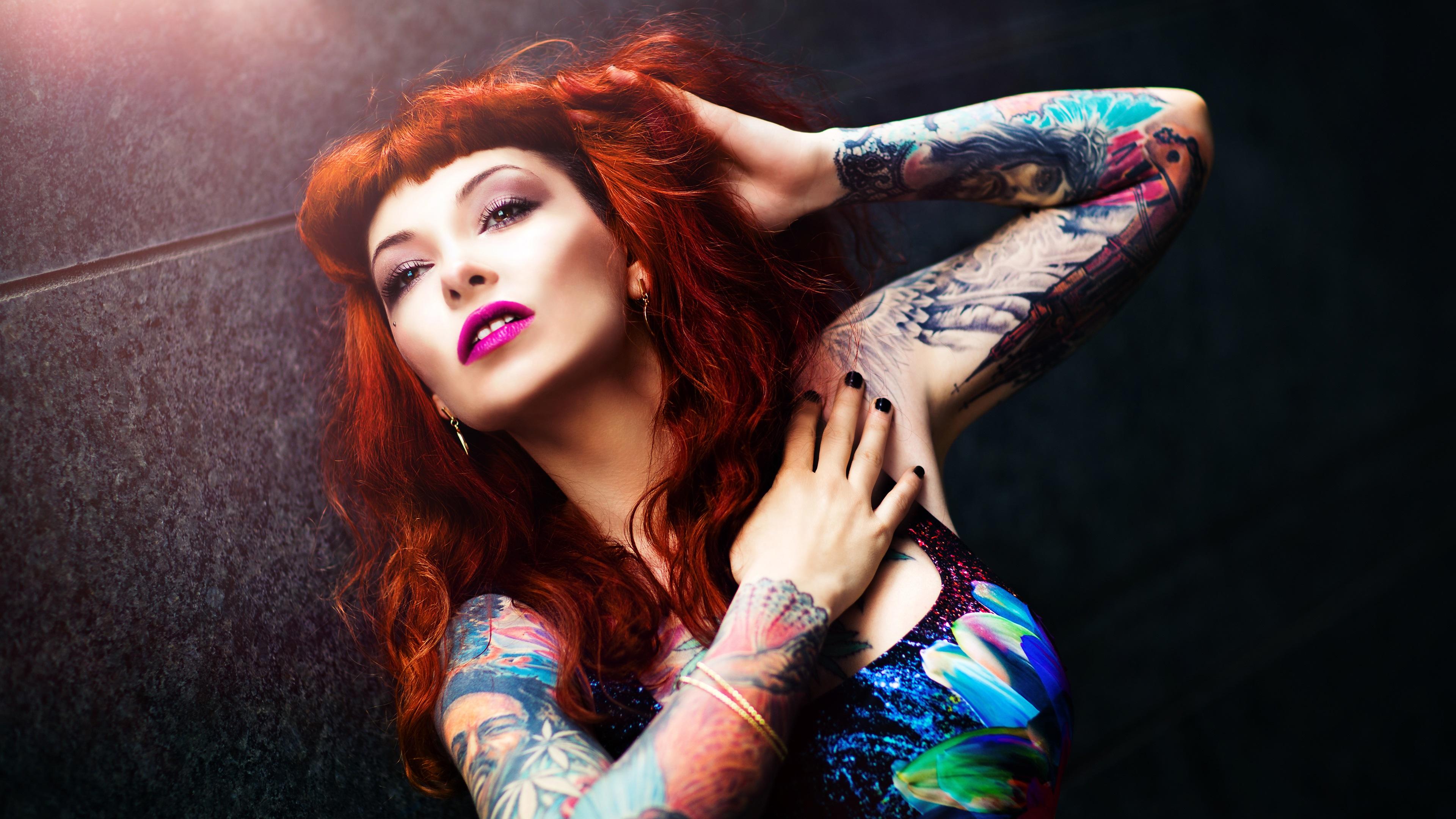 Картинки с девушками у которых татуировки
