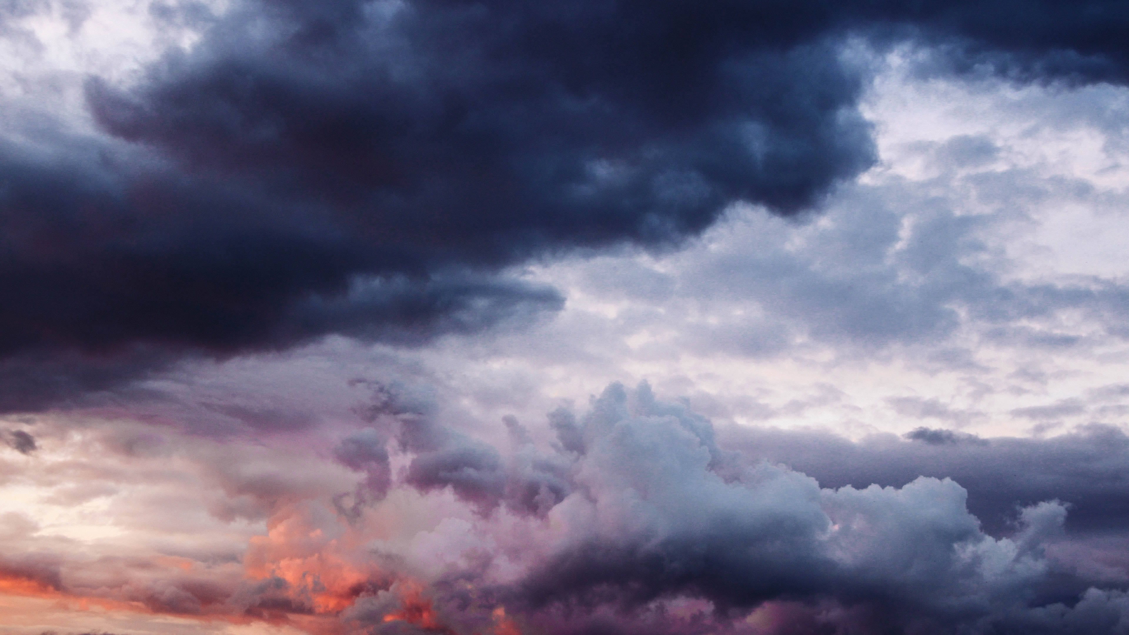 Wallpaper Cloudy Sky Thick Clouds 3840x2160 Uhd 4k Picture