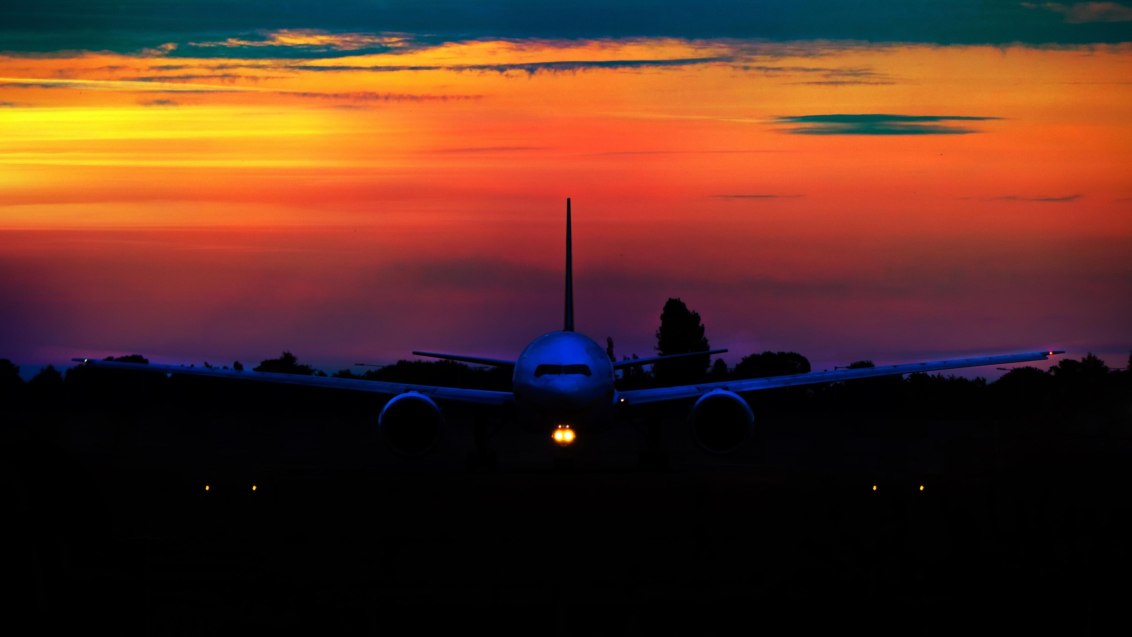 Fonds D'écran Avion Au Coucher Du Soleil, Vue De Face