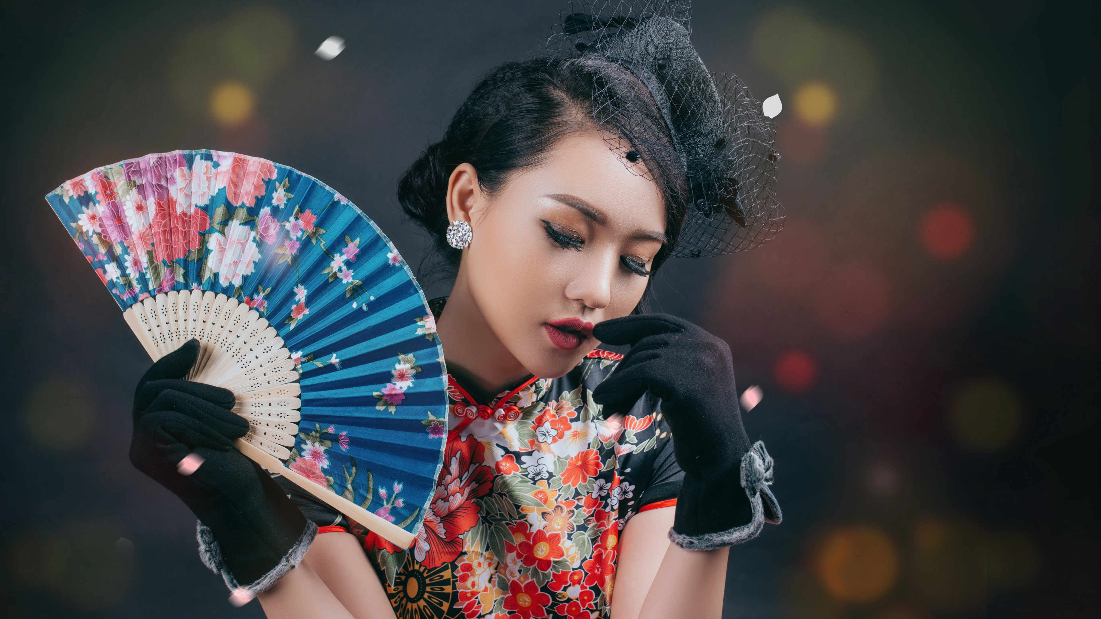 Wallpaper Chinese Girl Retro Style Dress Fan 3840x2160 Uhd 4k